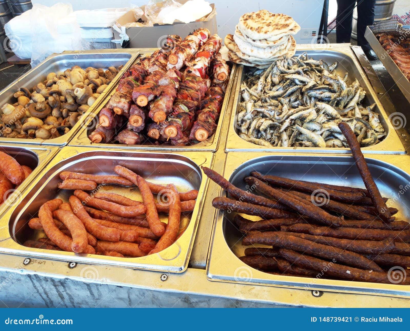 Festival de nourriture de rue Viande et l?gumes grill?s