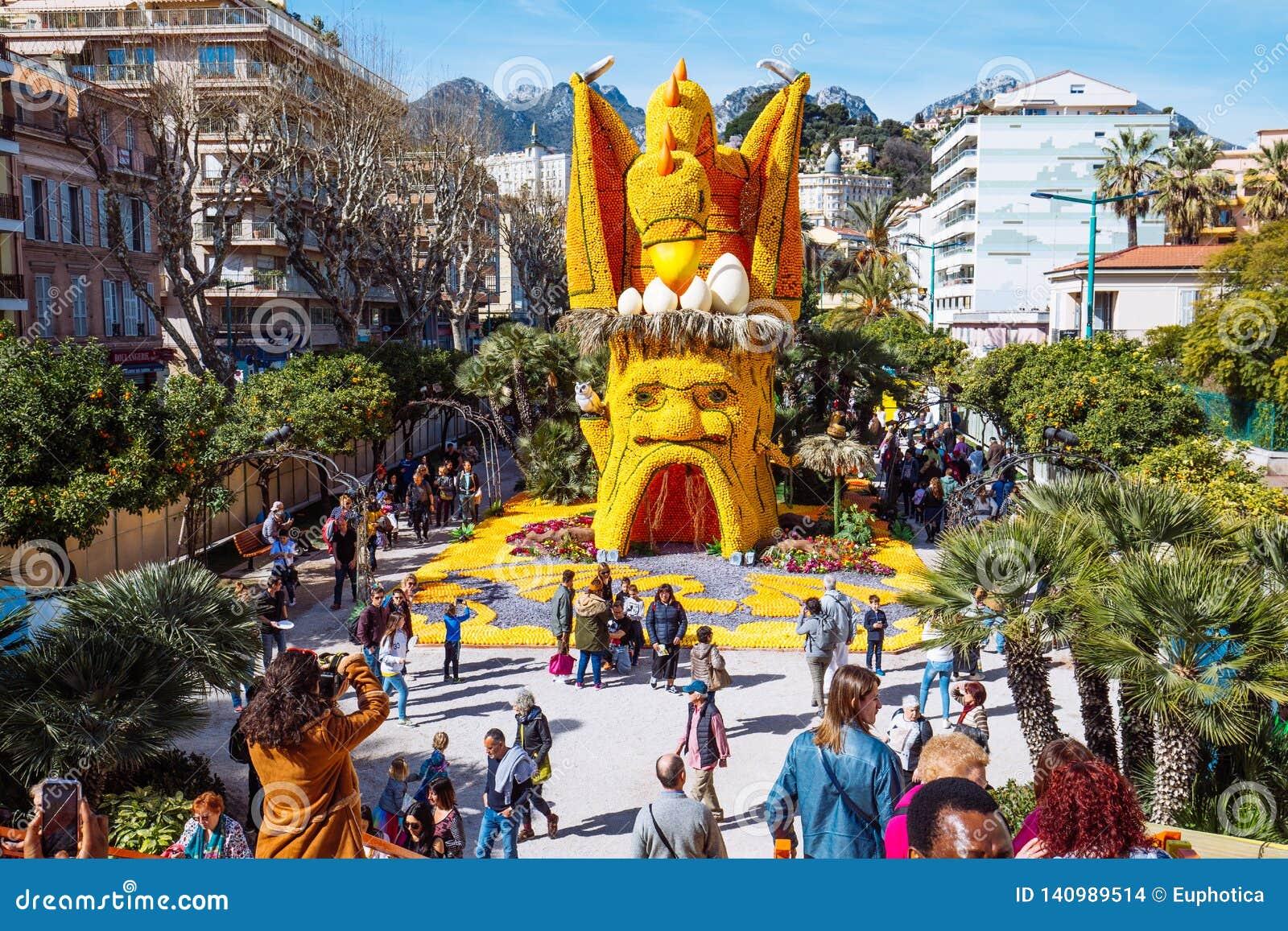Festival 2019 del limone di Menton, arte fatta dei limoni ed arance Tema fantastico dei mondi