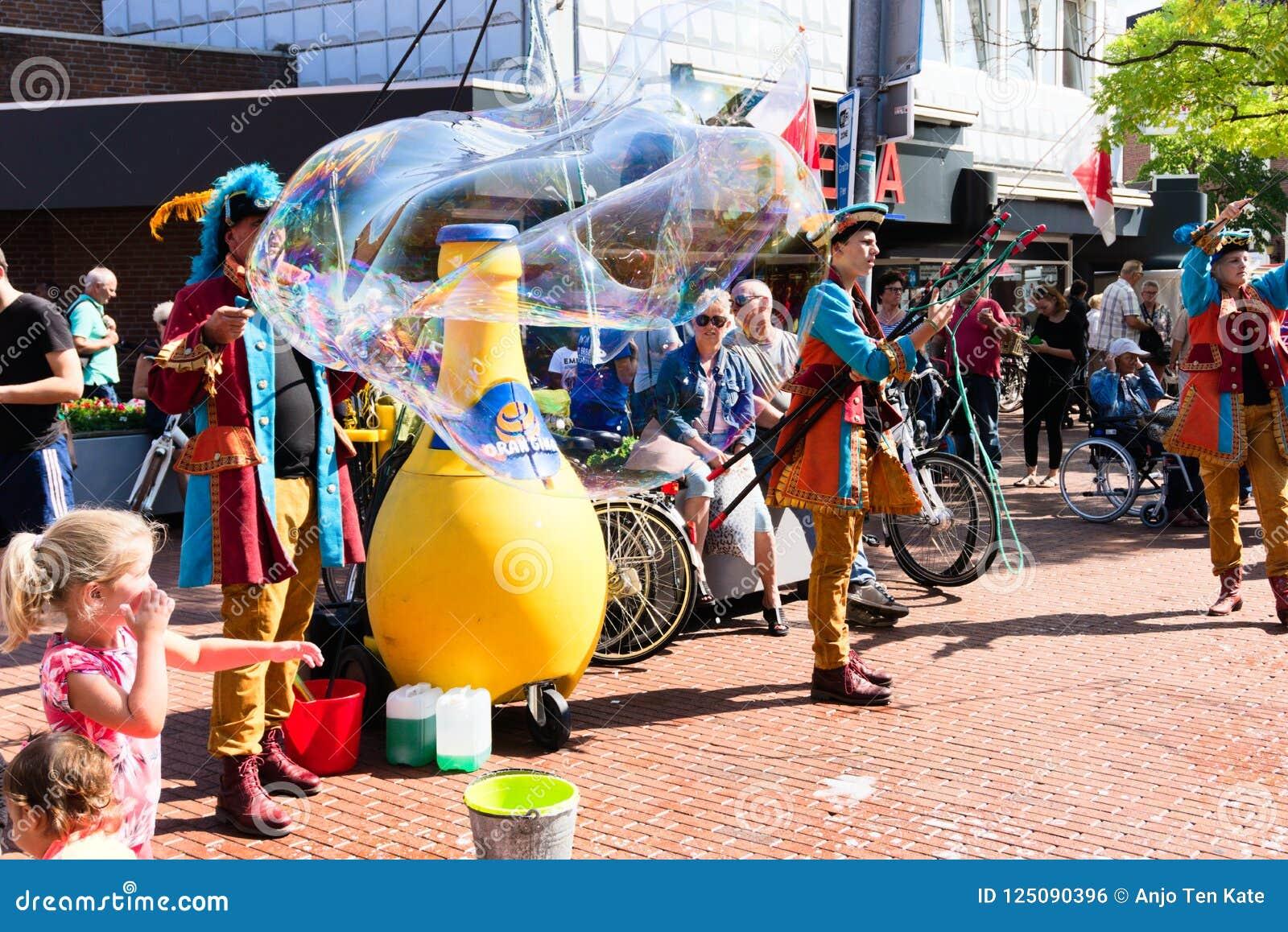 Festival der Straßekunst Niederlande-Winschoten Waterbei