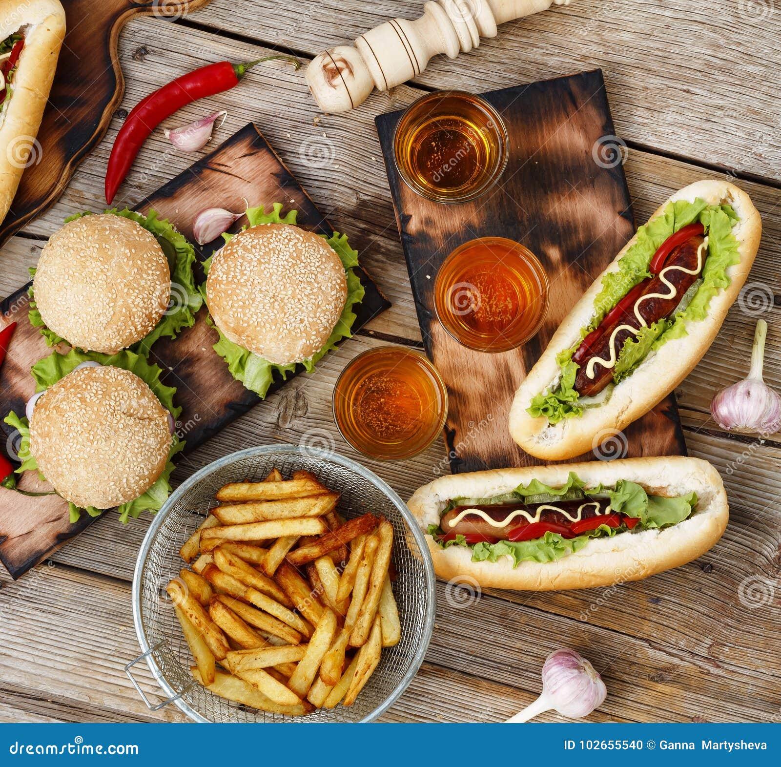 Festival des Bieres Hotdoge, Hamburger, Grill Konzept von draußen essen