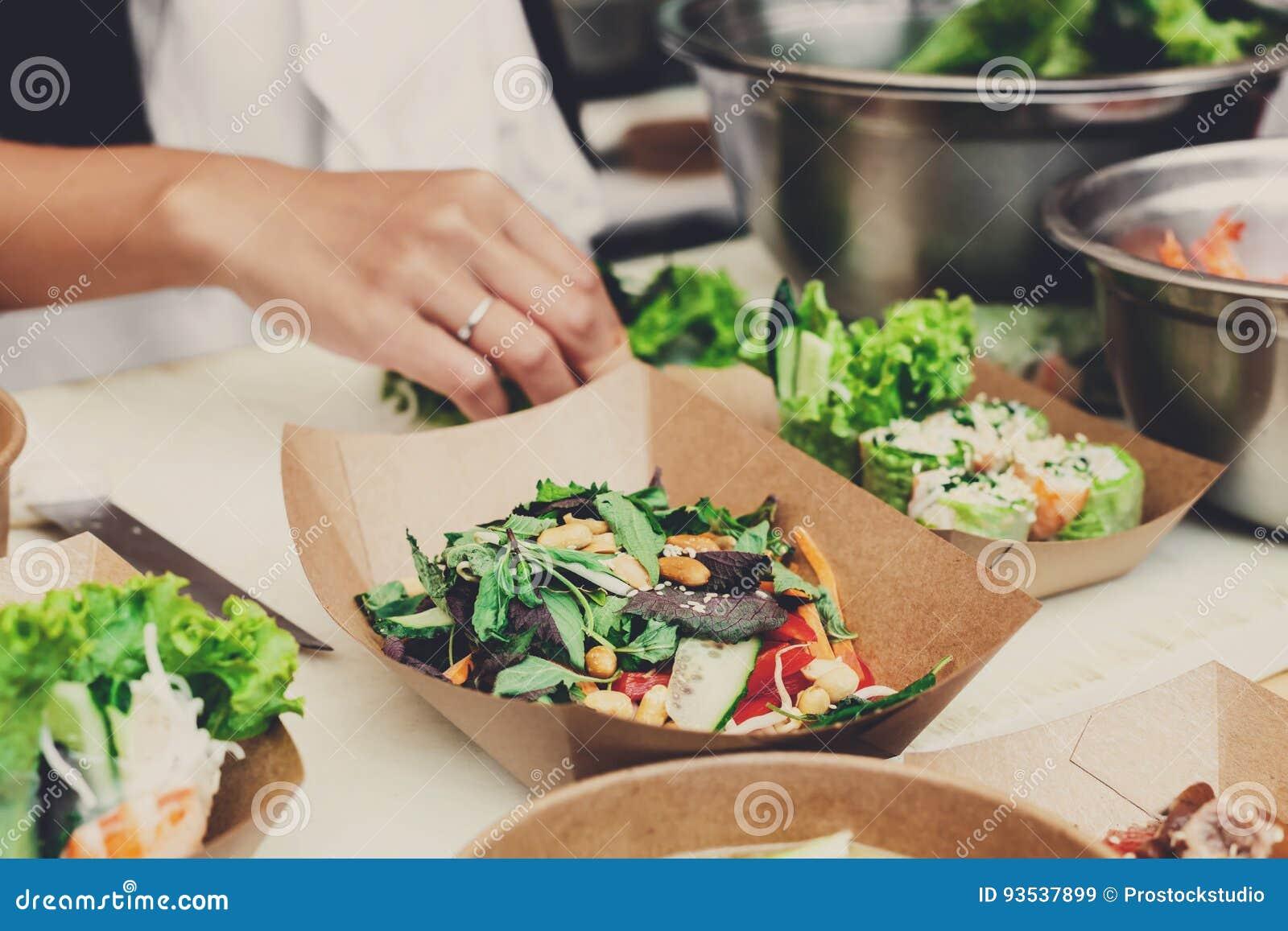 Festival do alimento da rua, entrega, serviço de abastecimento