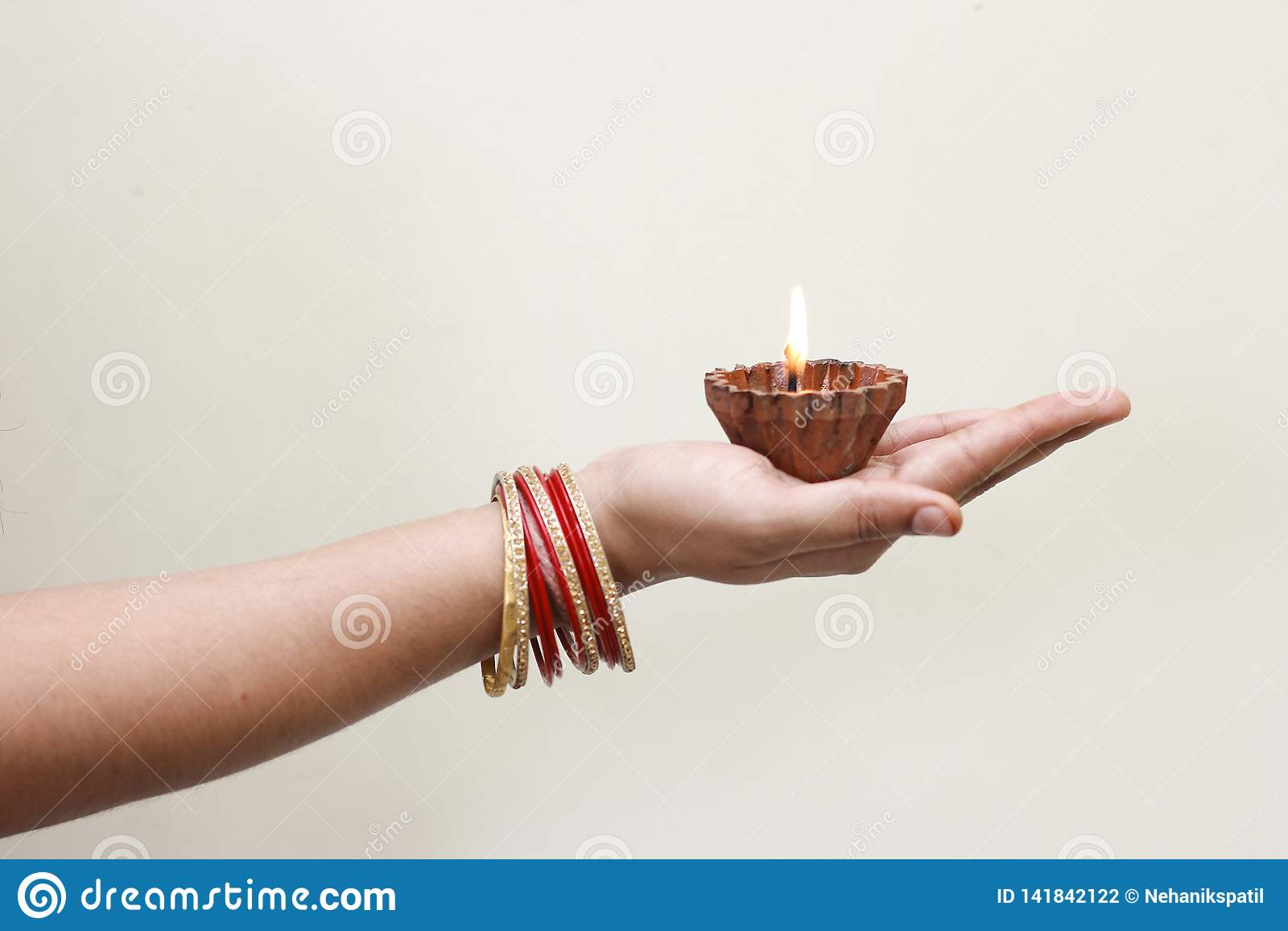 Festival indien Diwali, lampe à disposition