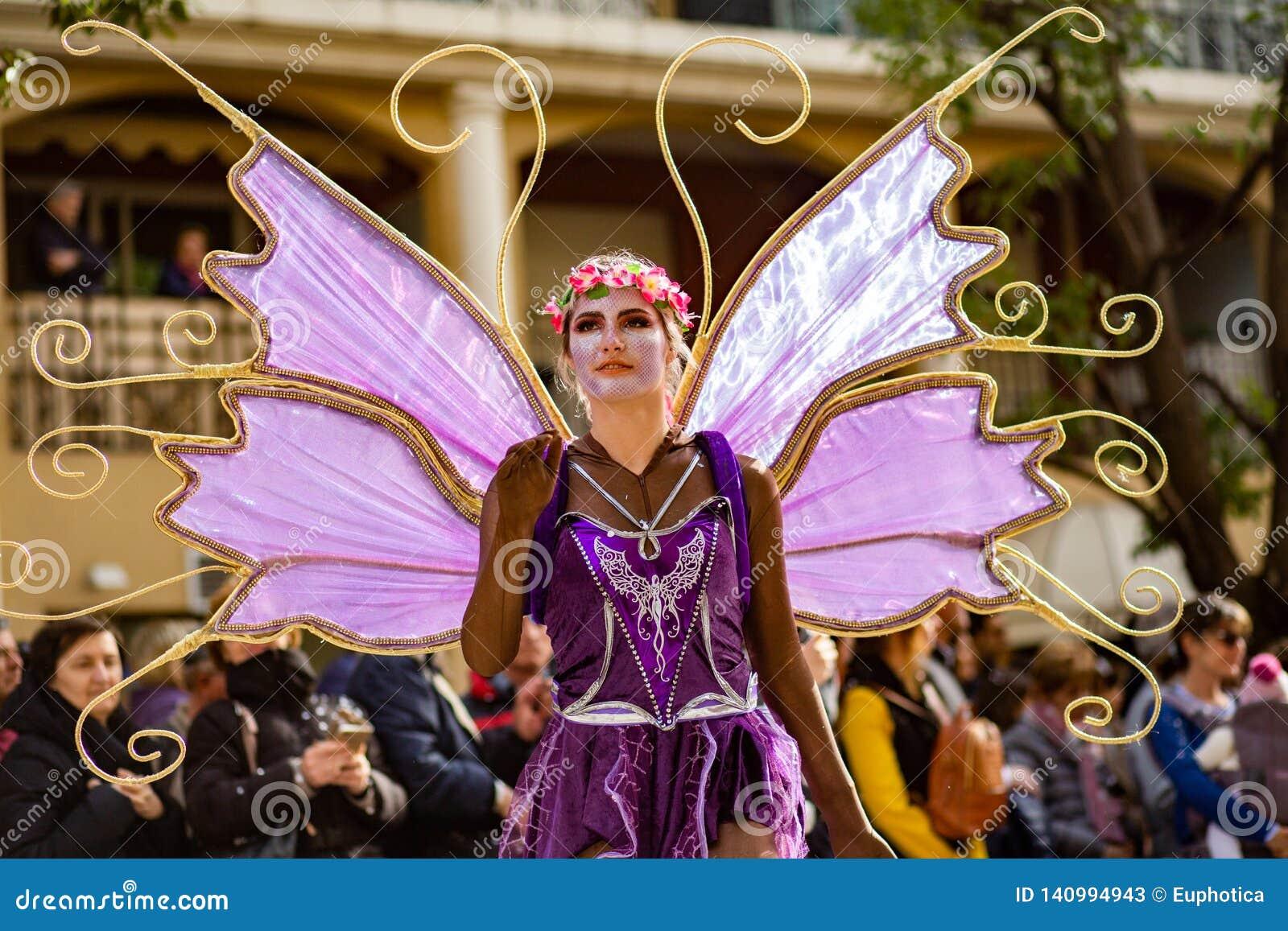 Festival 2019, via Carnaval, tema fantastico dei mondi, ritratto del limone di Menton dell artista