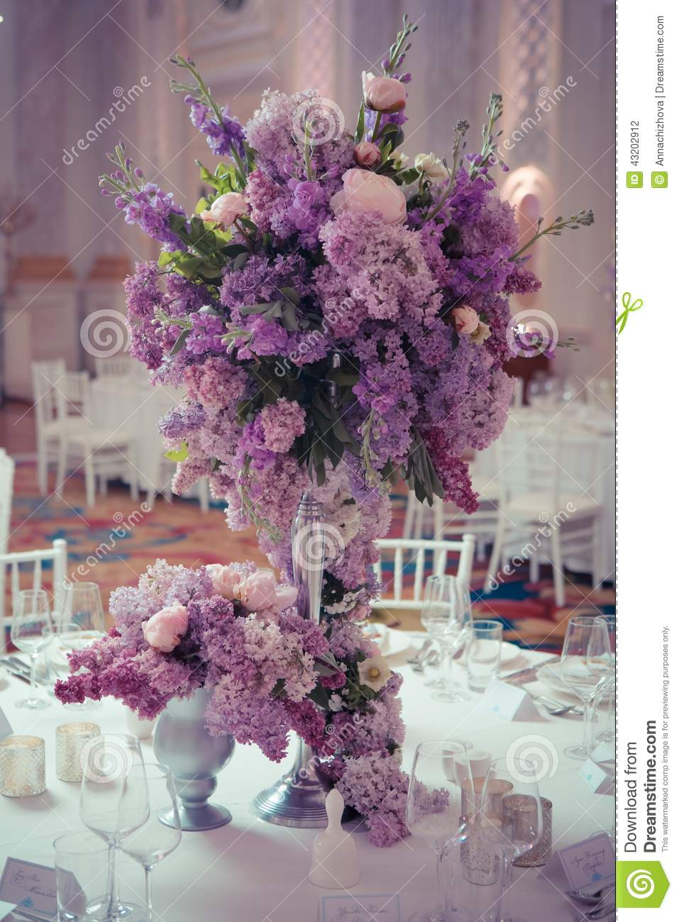 Festive Table Decoration In Lilac Colours Stock Photo