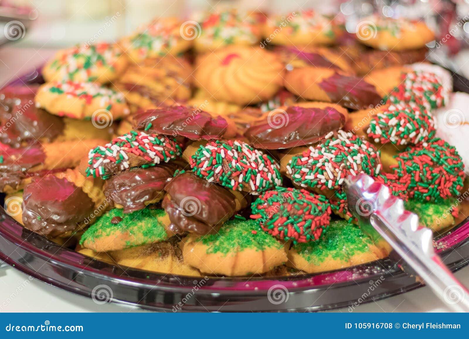 Festively verfraaide het dienblad van het het dessertkoekje van de vakantiepartij
