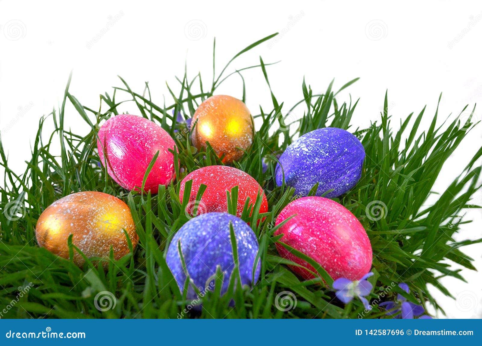 Festliche gemalte Eier für Ostern
