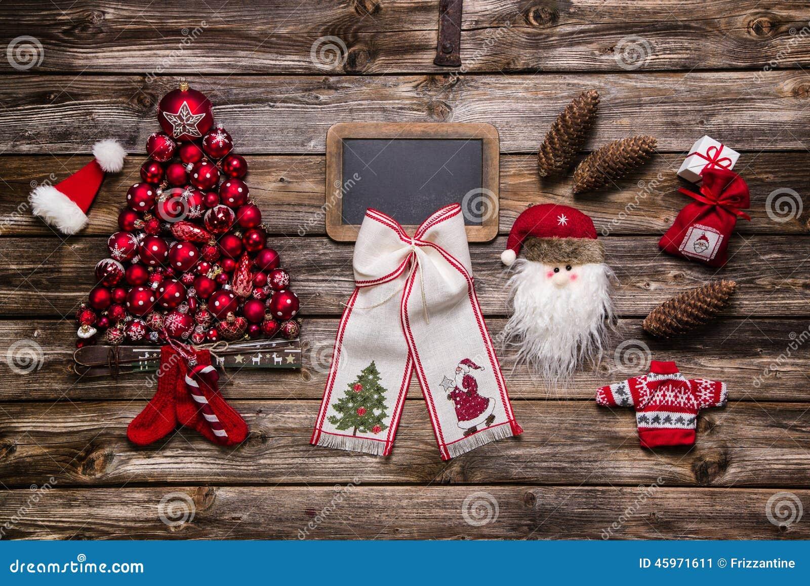 festliche nat rliche weihnachtsdekoration rot wei und. Black Bedroom Furniture Sets. Home Design Ideas
