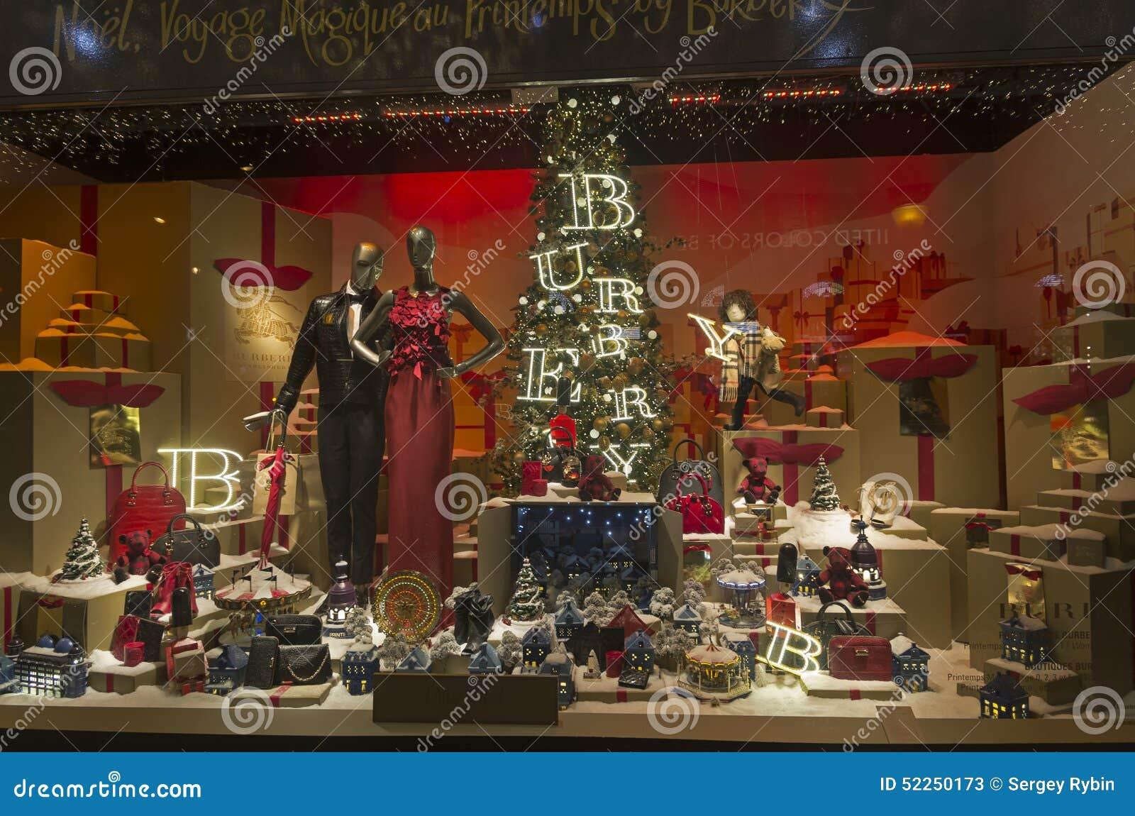 Festliche schaufensterdekoration im kaufhaus f r weihnachten redaktionelles stockfoto bild von - Schaufensterdekoration weihnachten ...