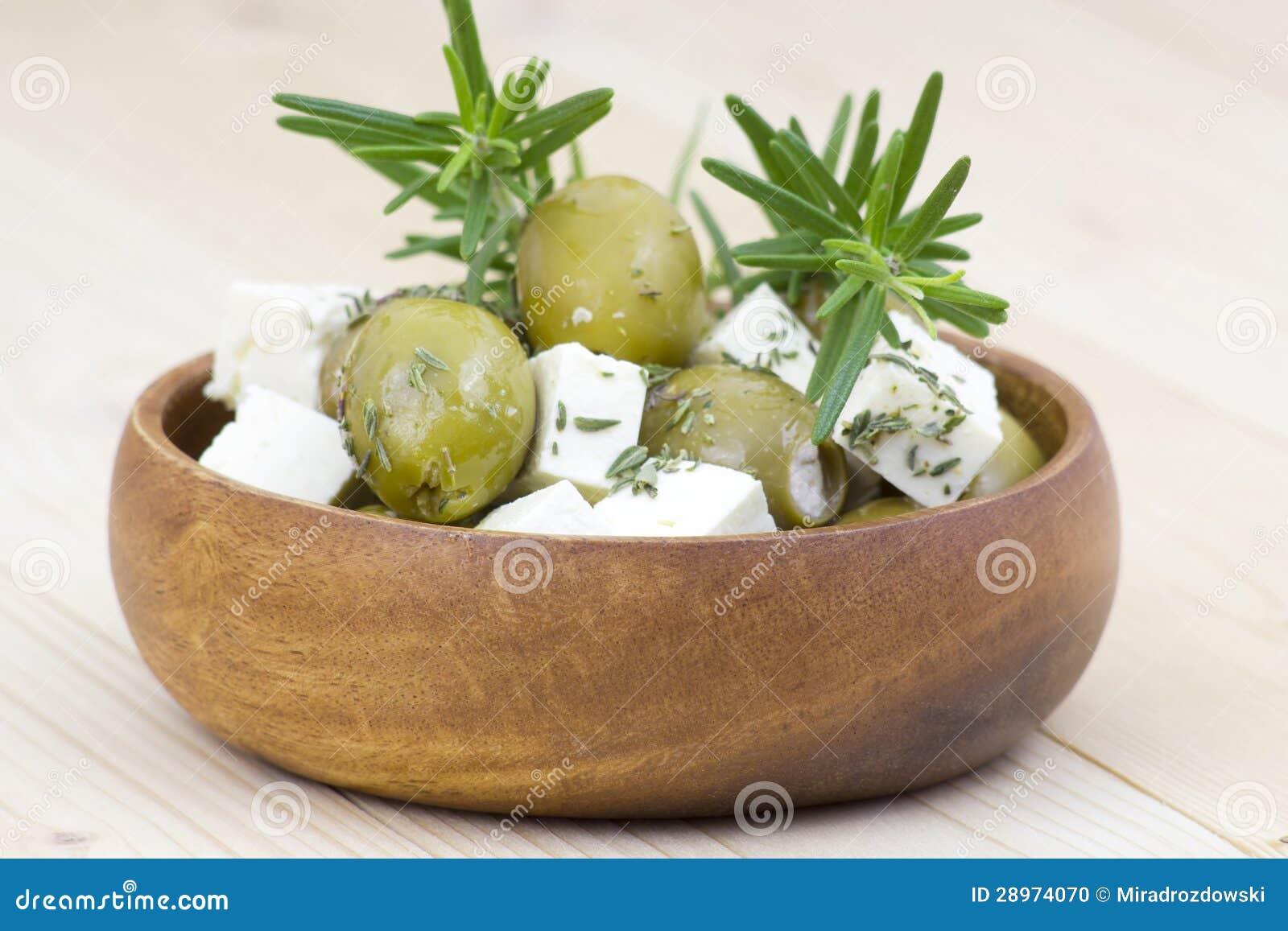 Feta oliwki z ziele i ser