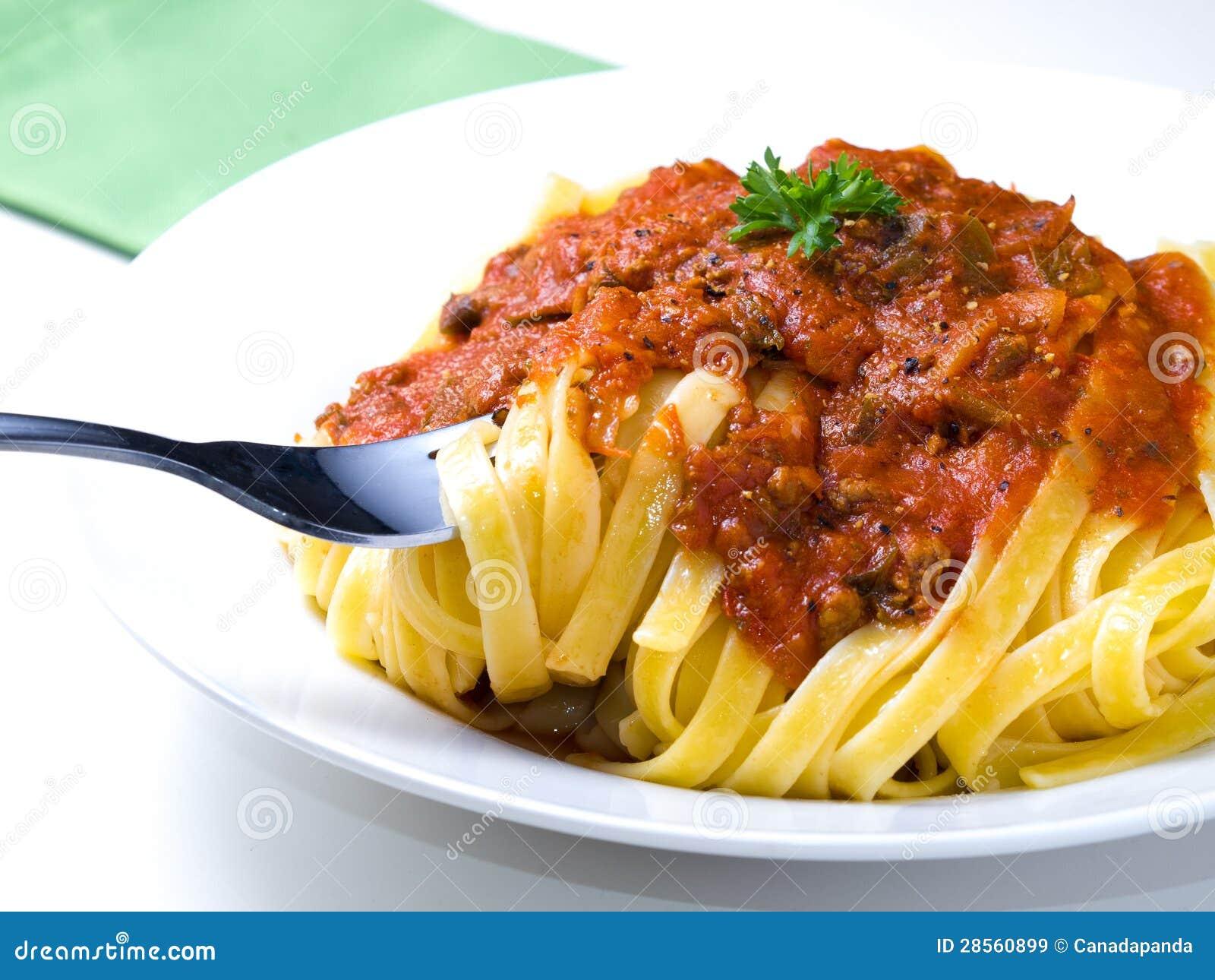 Fettuccine Bolognese Recipe — Dishmaps