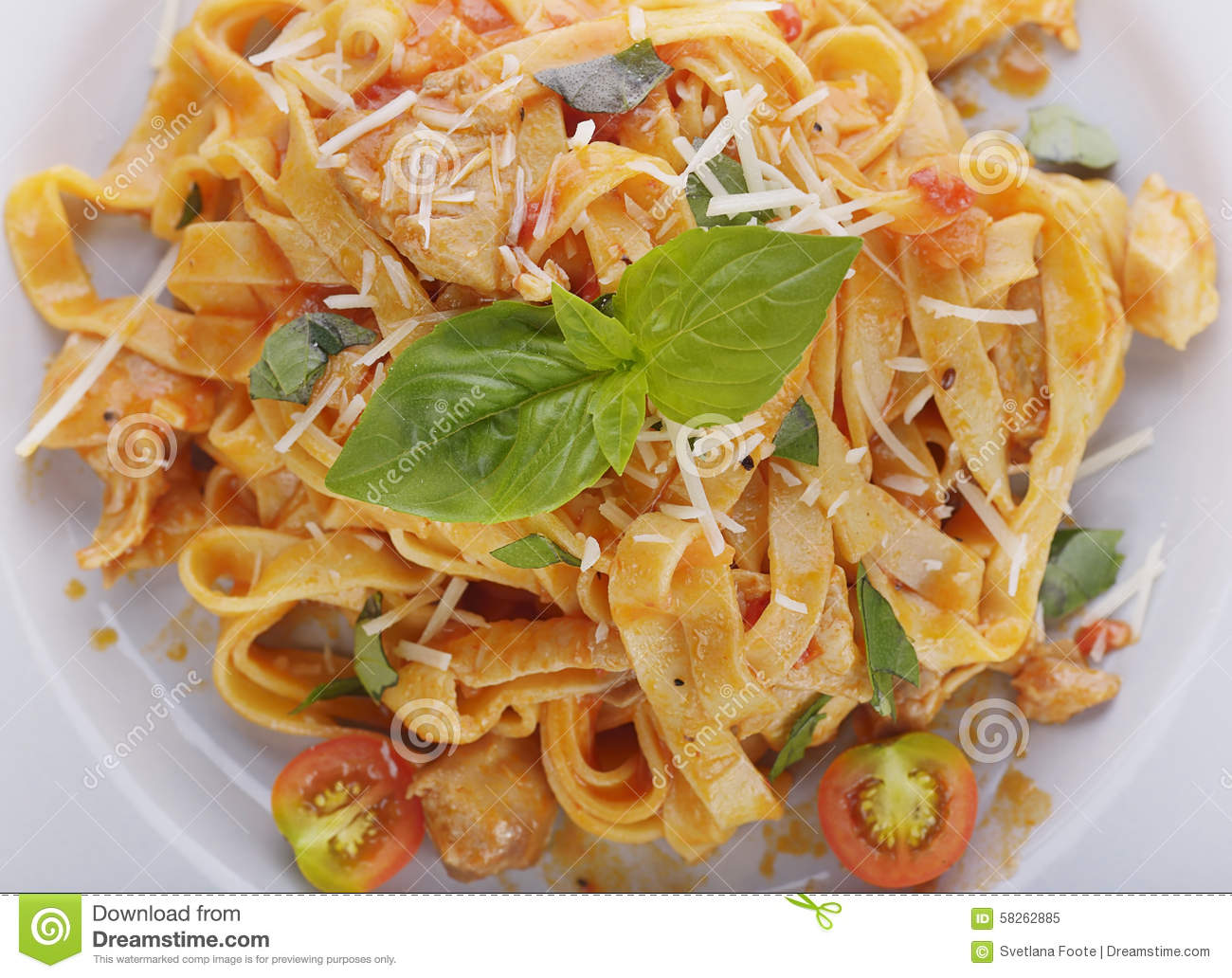 how to eat fettuccine pasta