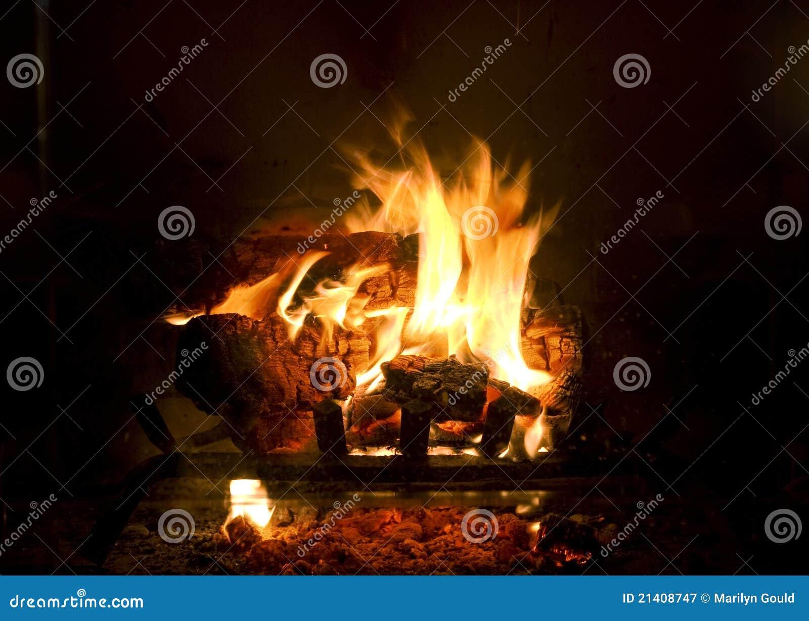 feuer im kamin stockbild bild von flamme flammen hei 21408747