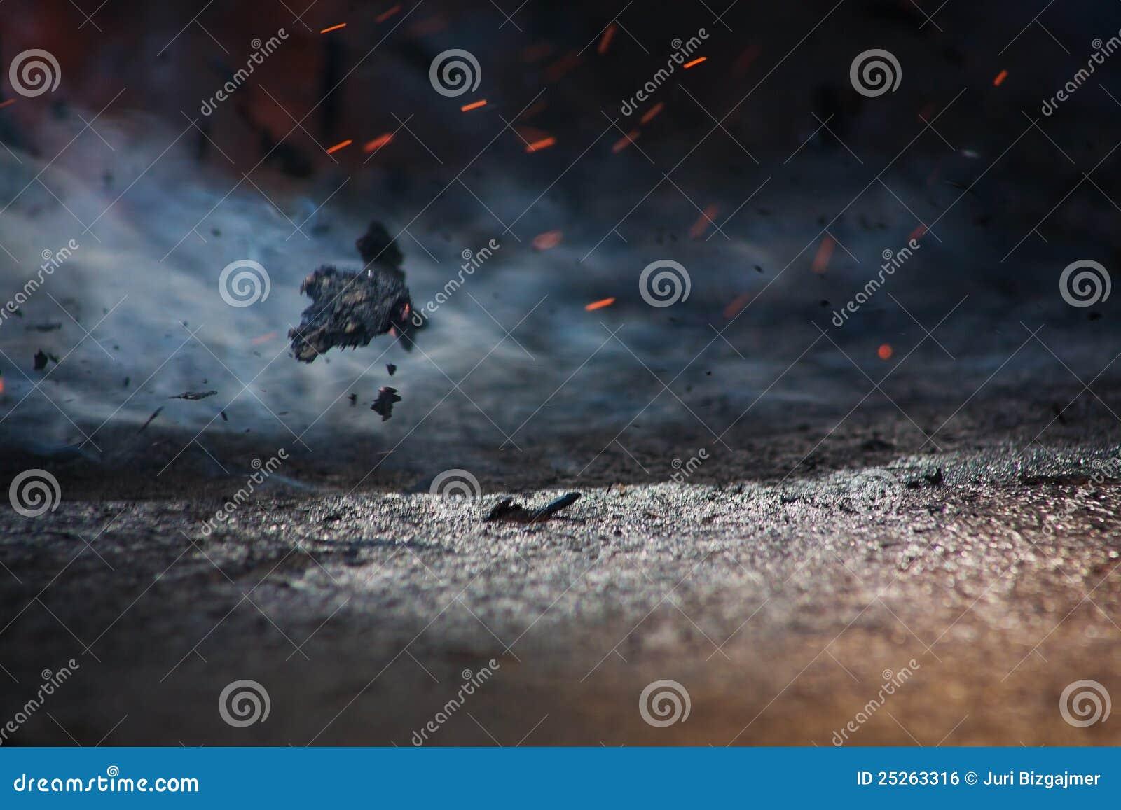 Feuer und Asche auf Wind