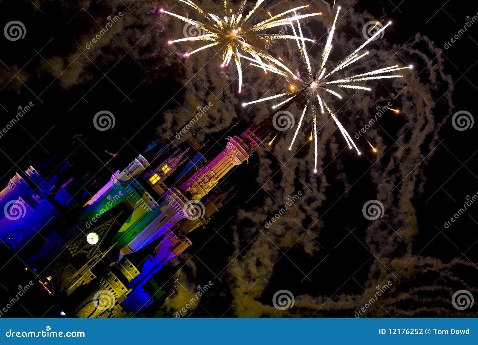 Feuerwerke über Disney-Schloss