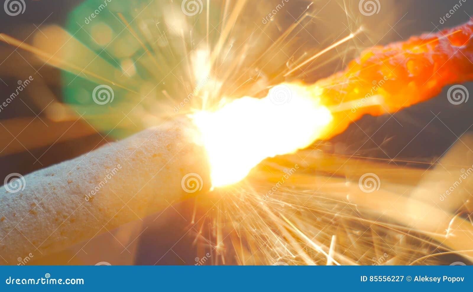 Feuerwerkswunderkerze Burning