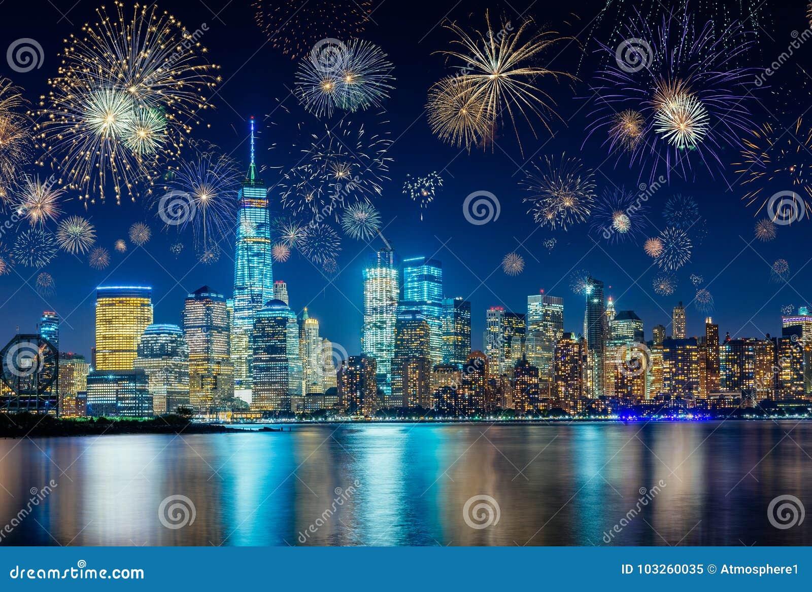 Feux d artifice célébrant de nouvelles années Ève à New York City, NY, Etats-Unis