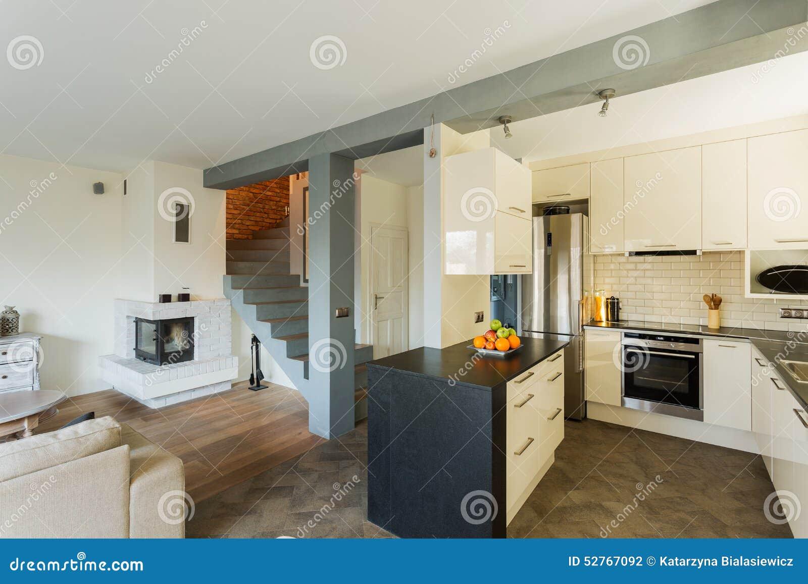 ffnen sie k che und wohnzimmer stockfoto bild 52767092. Black Bedroom Furniture Sets. Home Design Ideas