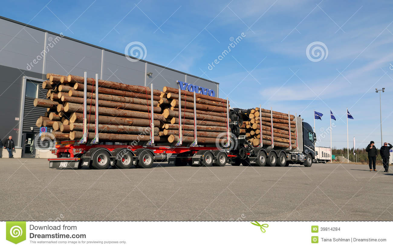 FH16 750 8X4 WoodPro Timber Hauler Editorial Stock Image - Image: 39814284