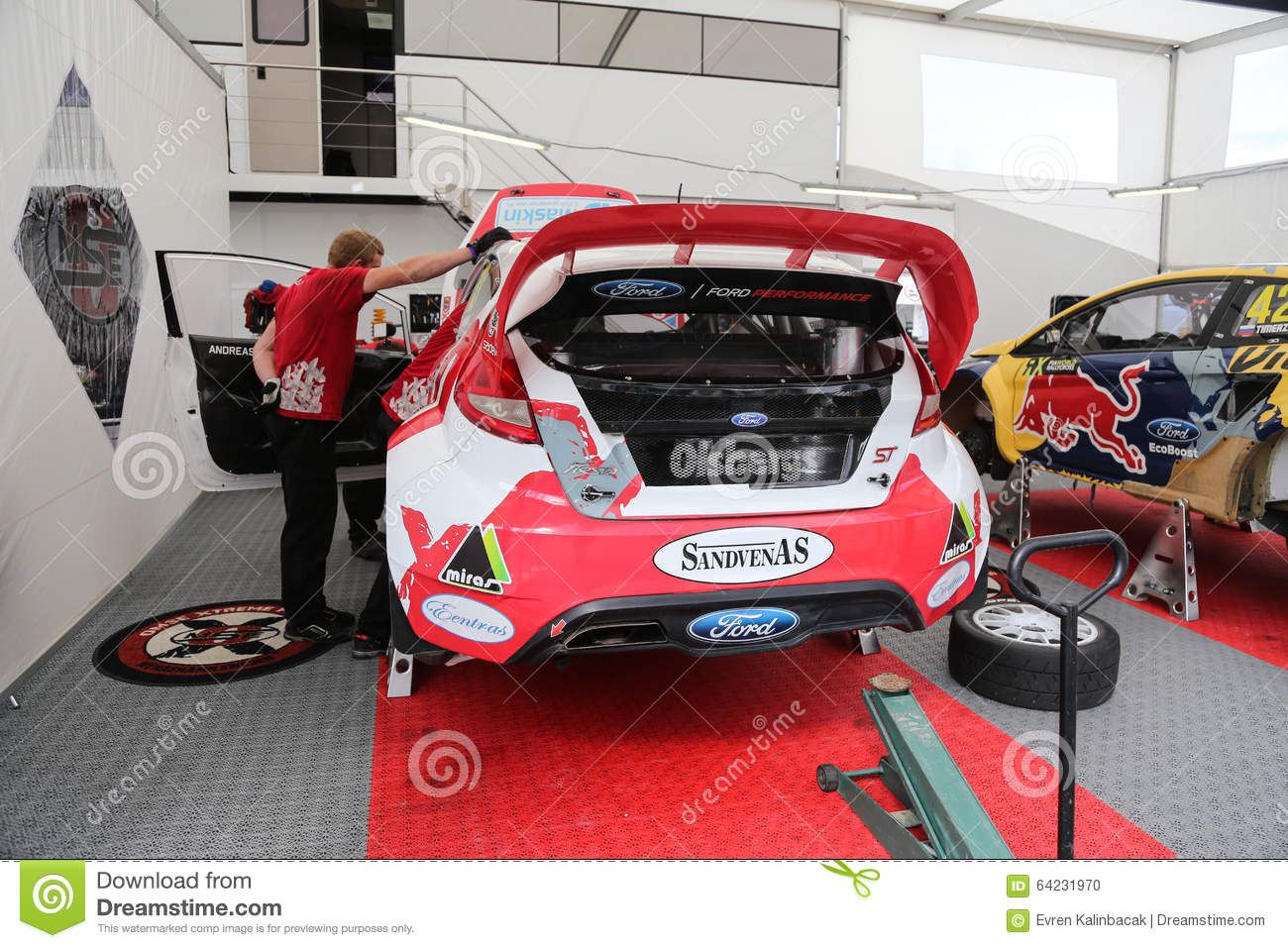 Fia world rallycross championship editorial image image for Garage ford st maximin