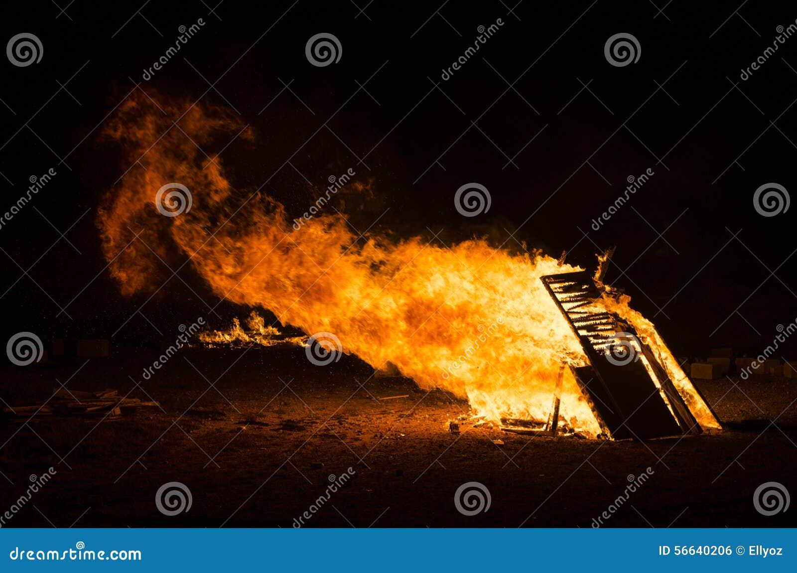 Fiamma del fuoco della fiammata