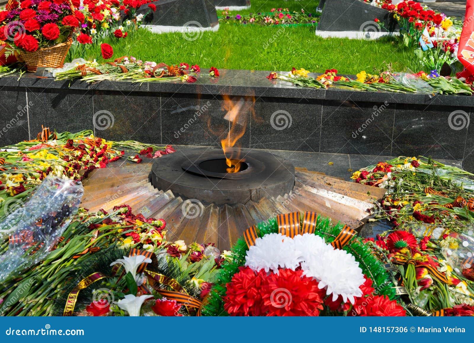 Fiamma eterna - con i fiori