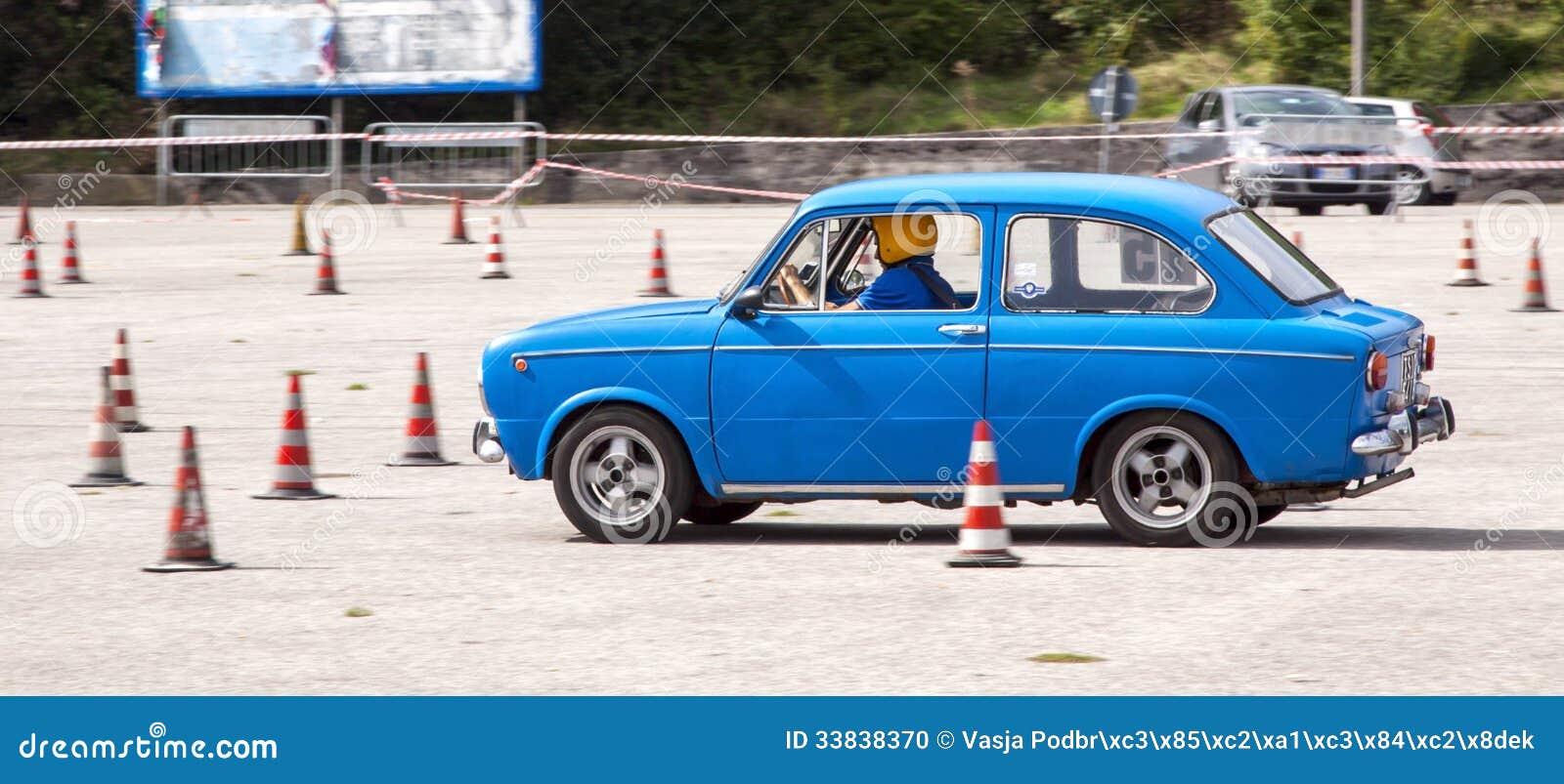 Car Slalom Racing