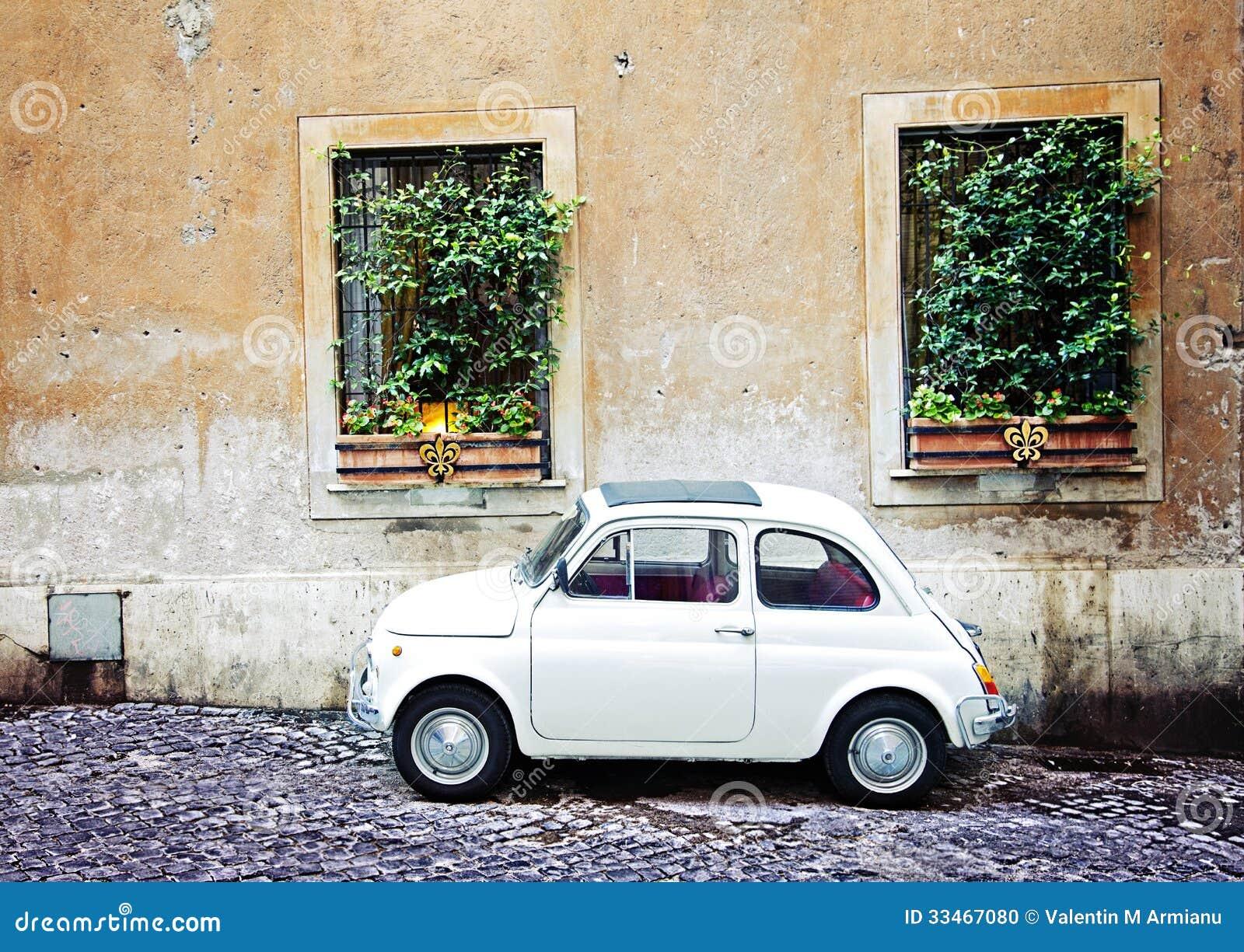 fiat 500 gar rome italie photo stock image 33467080. Black Bedroom Furniture Sets. Home Design Ideas