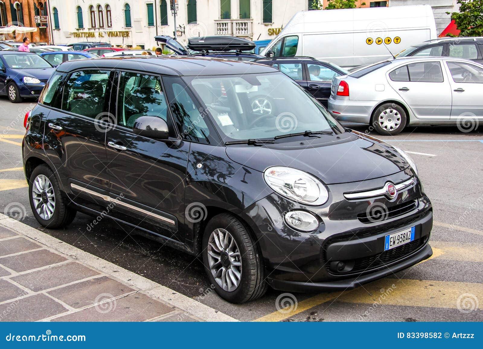 Fiat 500l Fotografia Editorial Imagem De 500l Fiat 83398582