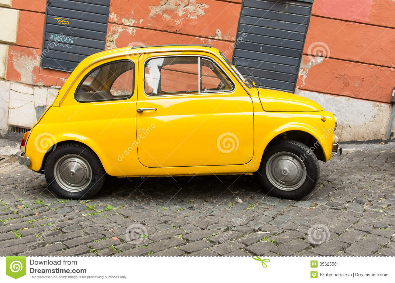 fiat 500 parked in rome editorial photo image of model 35625561. Black Bedroom Furniture Sets. Home Design Ideas