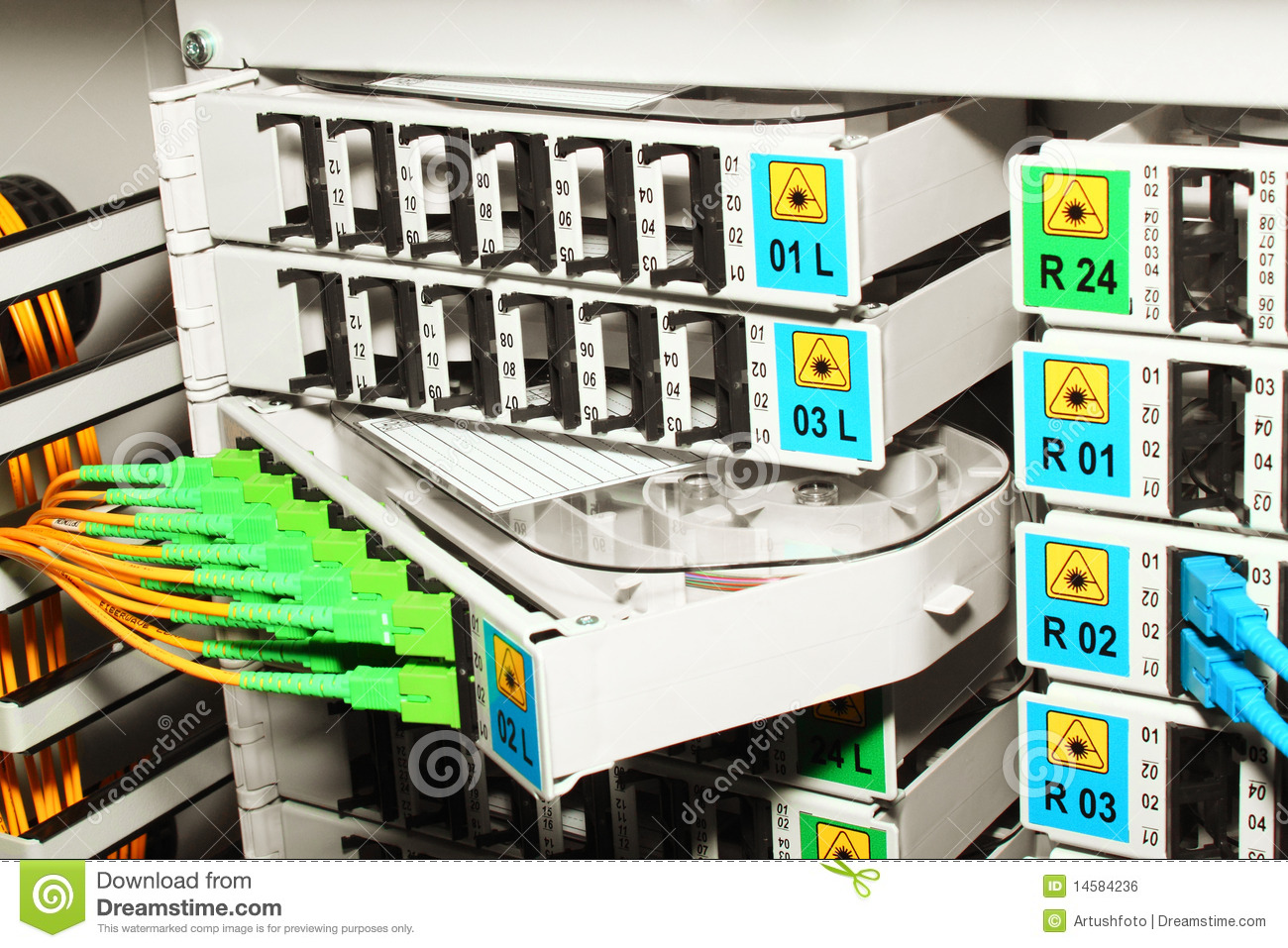 Cable Management System : Fiber optic cable management system stock photo image