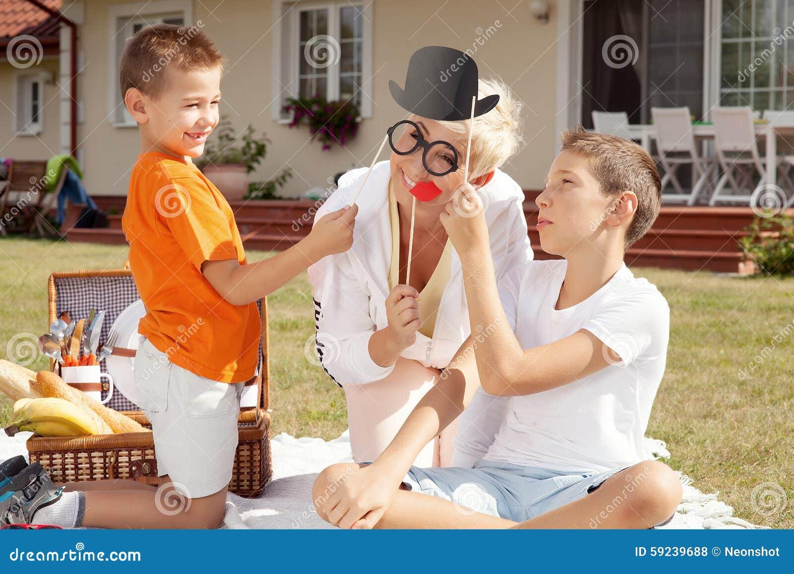 Download Fiesta De Cumpleaños De La Familia Foto de archivo - Imagen de labios, muchacho: 59239688