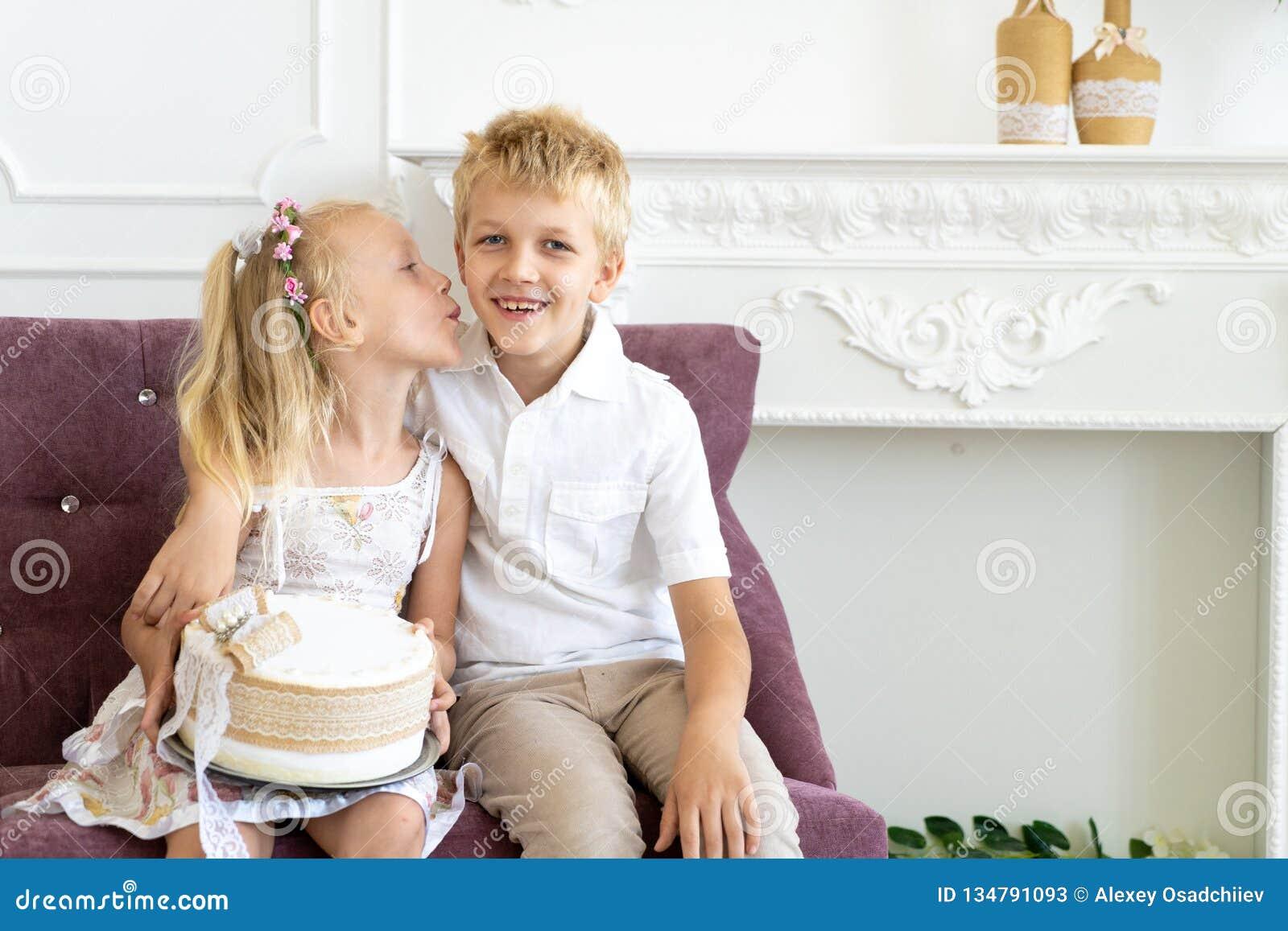 Fiesta de cumpleaños del hermano de la hermana