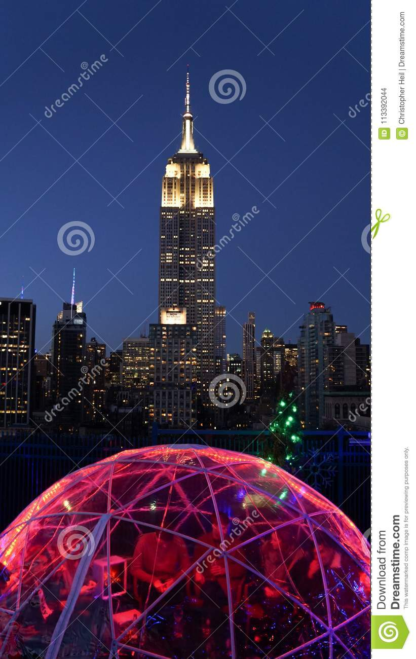 230 Fifth Rooftop Garden Bar And Restaurant In Manhattan New York City Editorial Stock Image Image Of Traveling Building 113392044