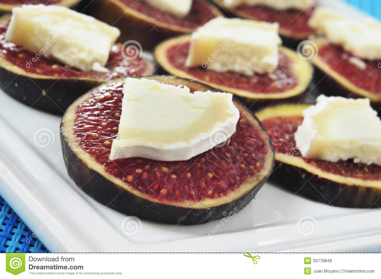 Figs And Cheese Royalty Free Stock Images - Image: 33778849