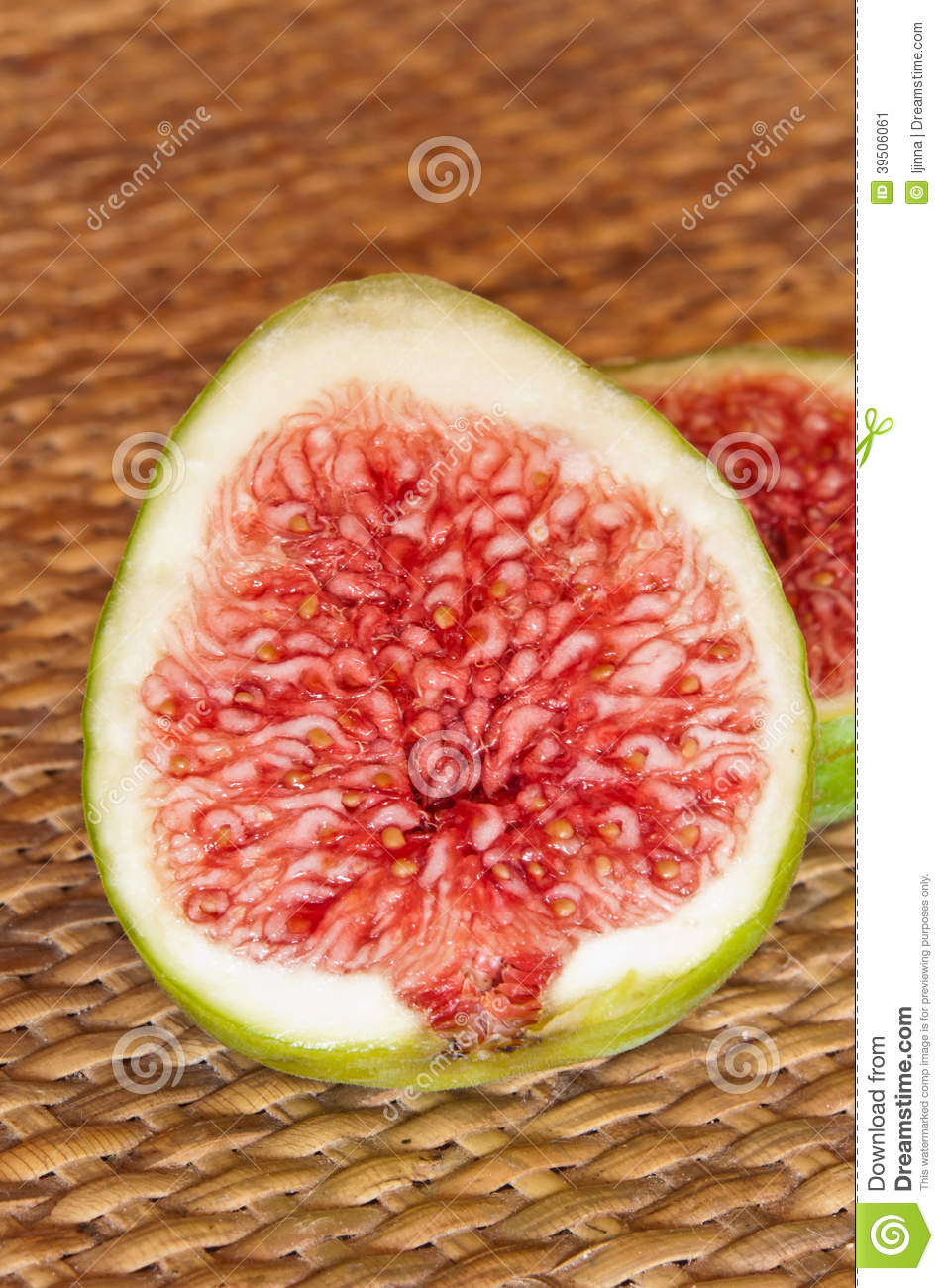 Figs, halved fig