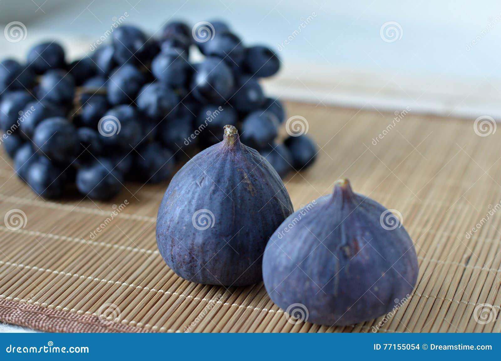 Figues et raisins frais