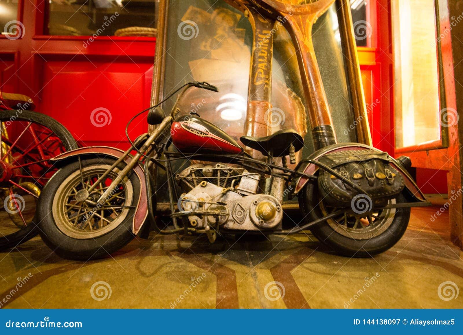 Figura antica del motociclo, Toy Collection anziano