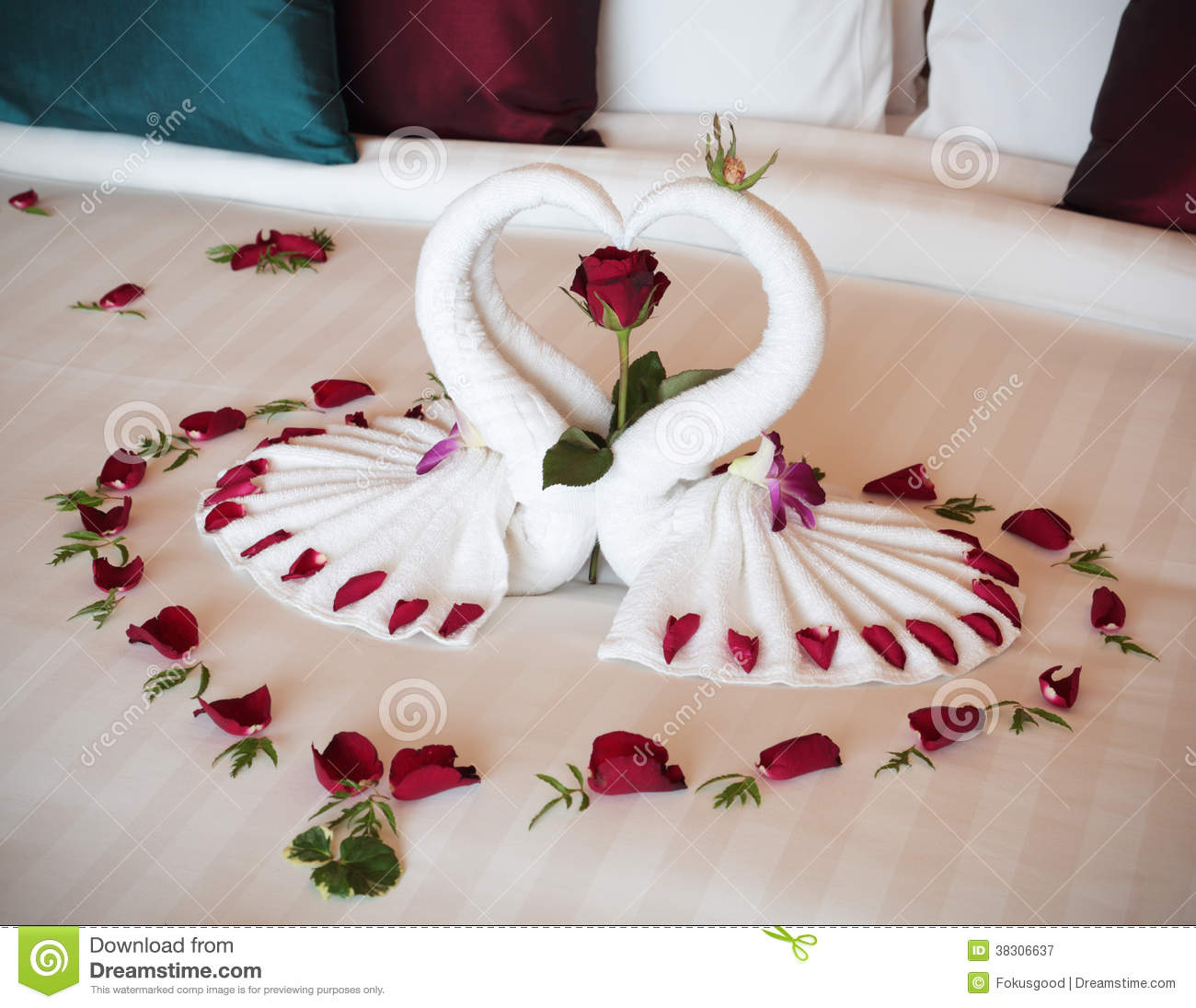 Bedroom Decor Ideas For Newlyweds