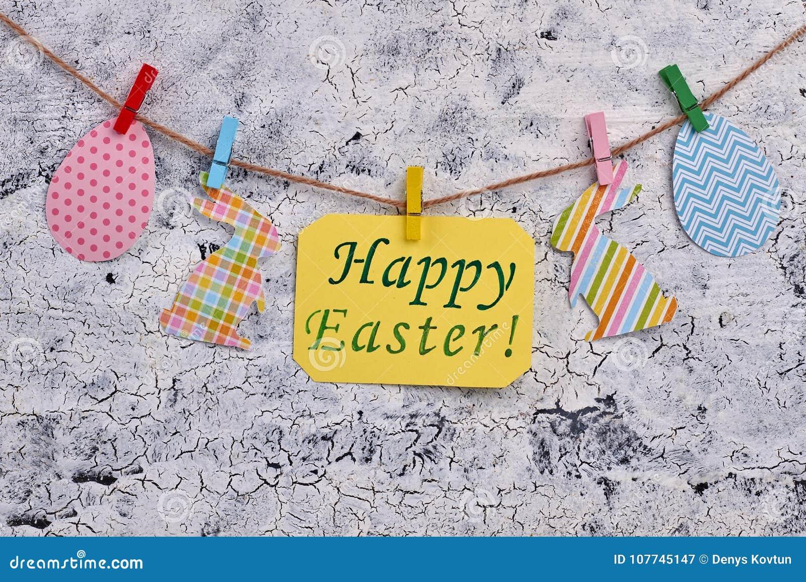 Figurines heureuses de message et de papier de Pâques