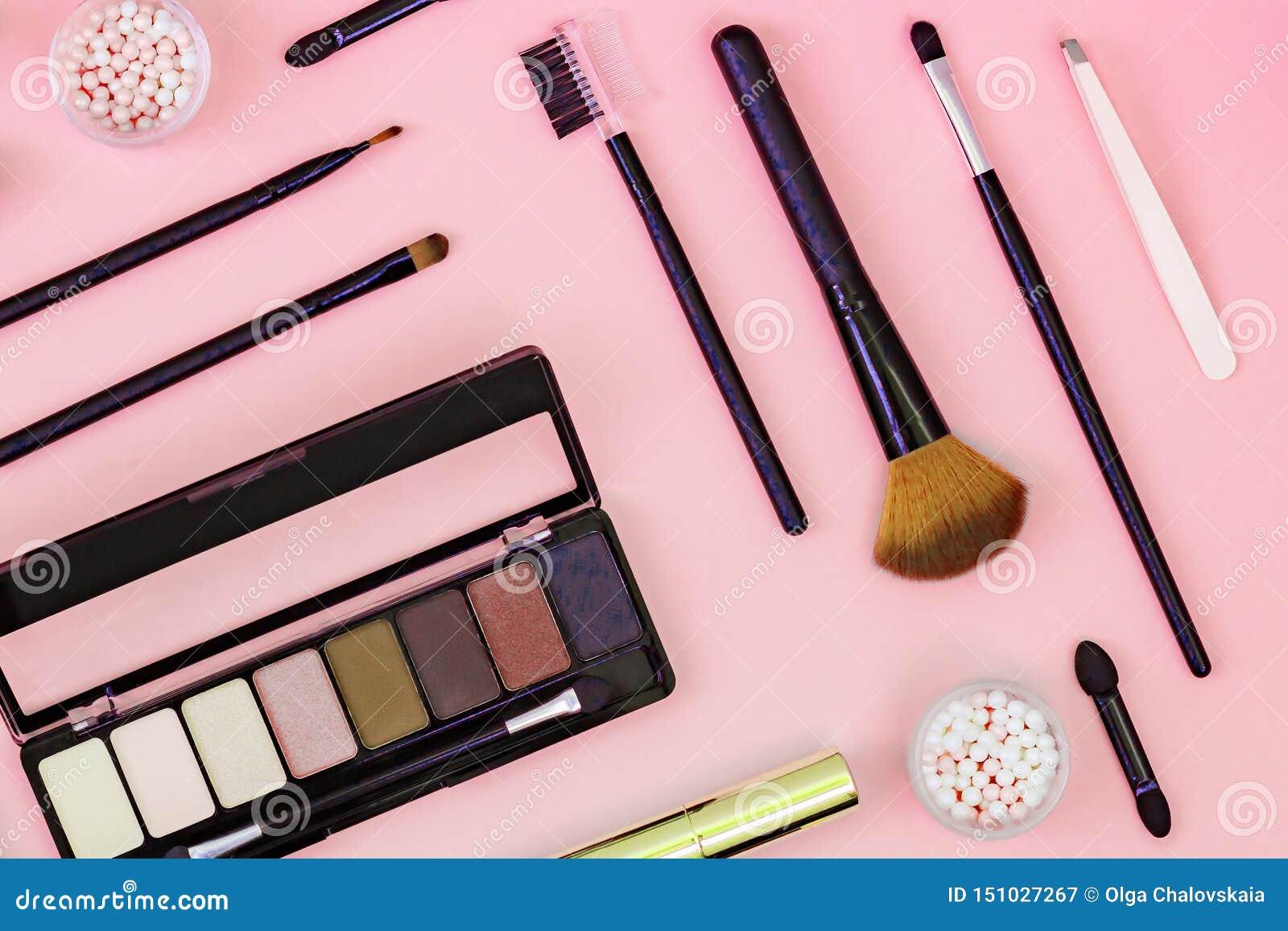 Fije del polvo cosmético decorativo, lápiz corrector, cepillo de la sombra de ojos, rimel