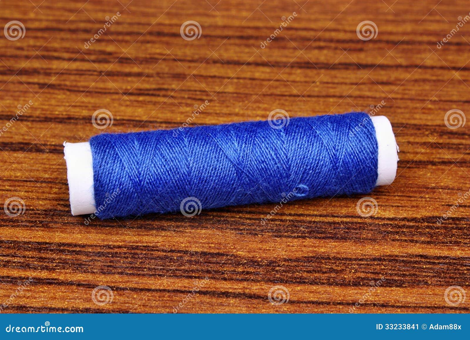 Fil de couture bleu image stock image du conception for Fil de couture