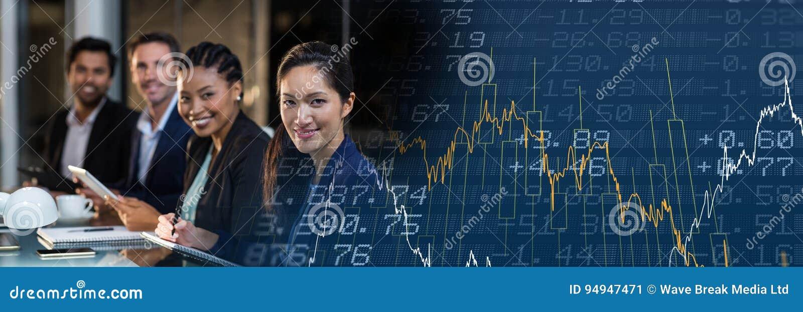 Fila de hombres de negocios con la transición azul del gráfico de las finanzas