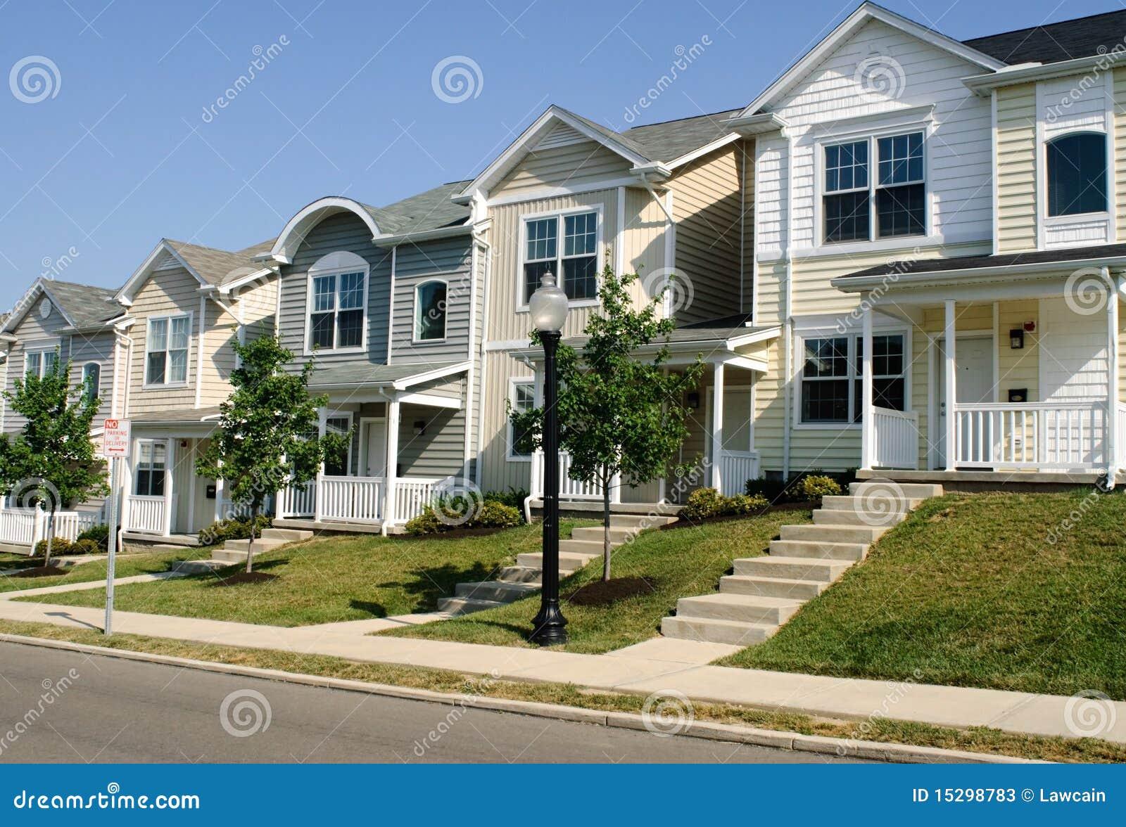 fila de la casa urbana imagen de archivo imagen de