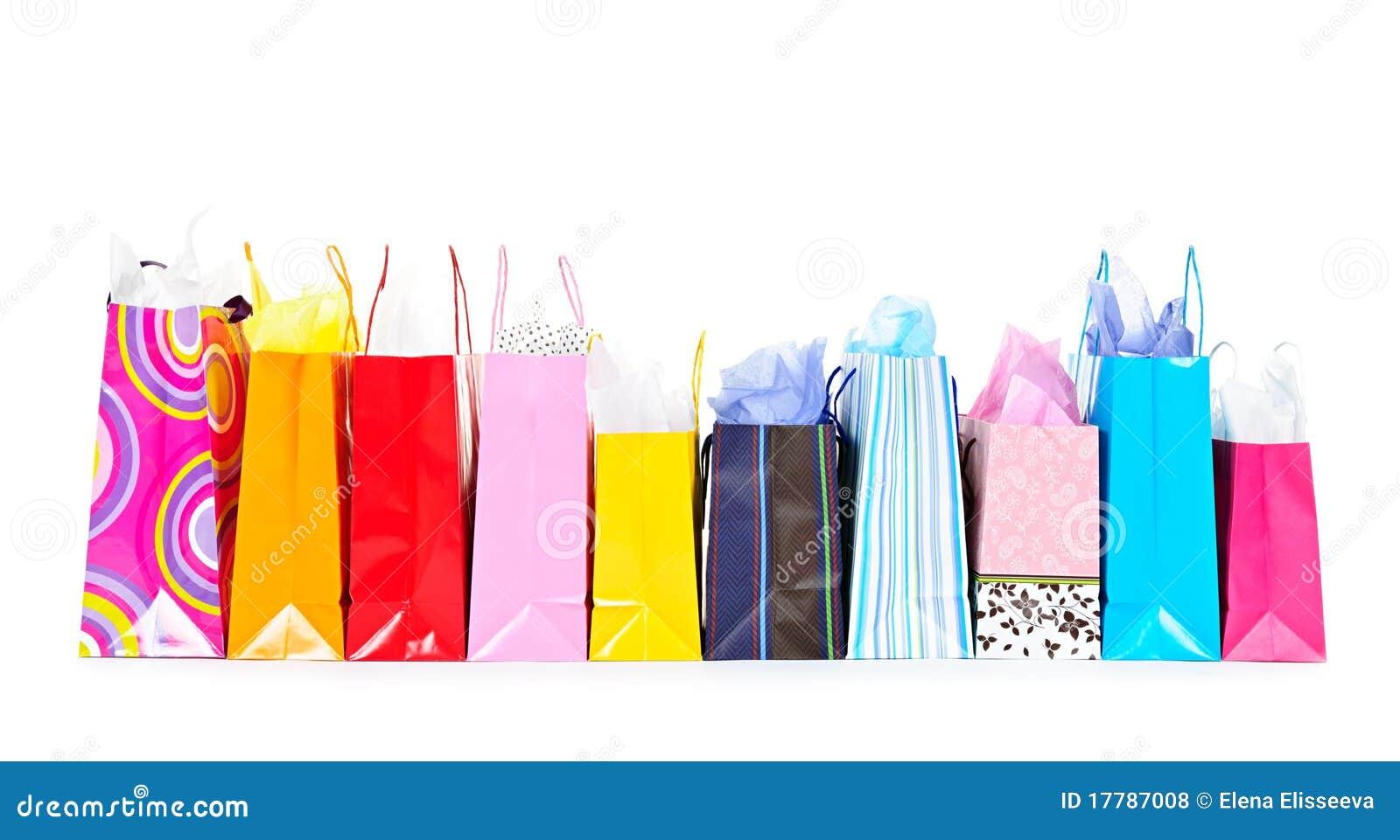 Fila de los bolsos de compras