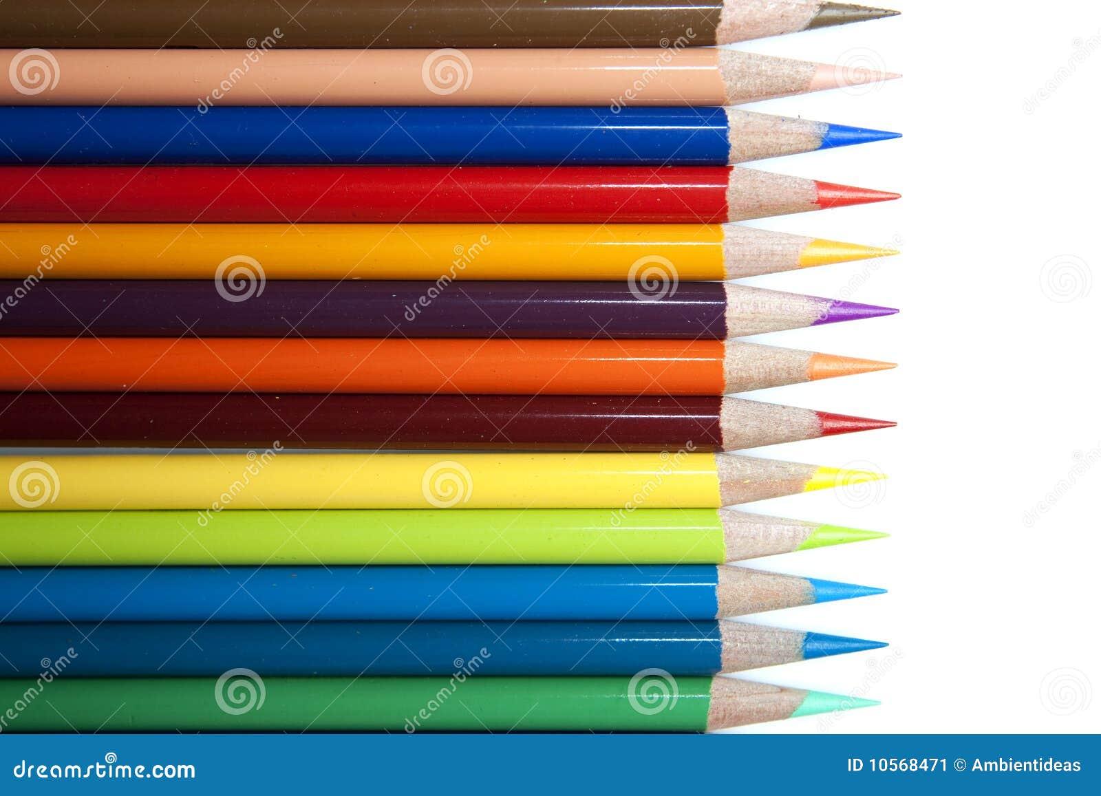 Fila de los lápices del color