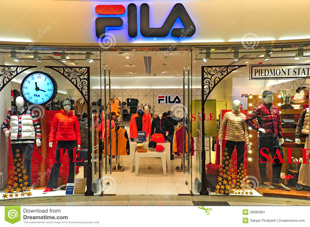 Fila Outlet, Hong Kong Editorial Photo - Image: 28380981