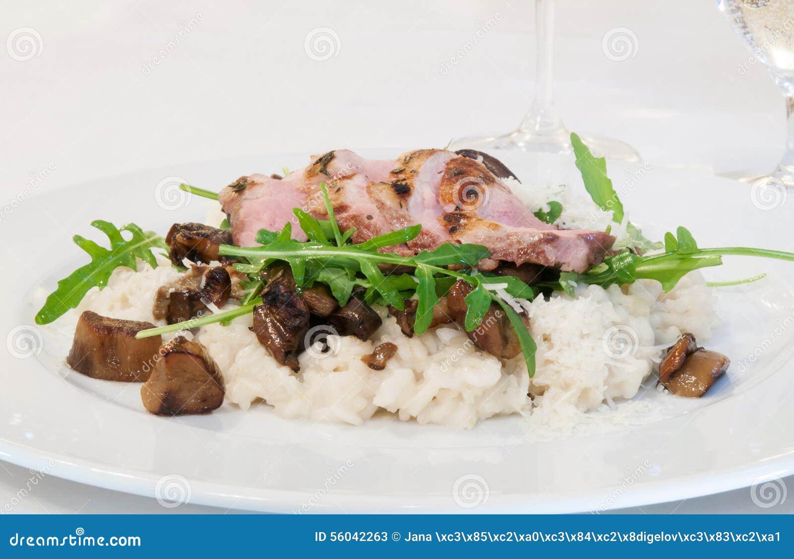 Filet de porc avec le rissoto