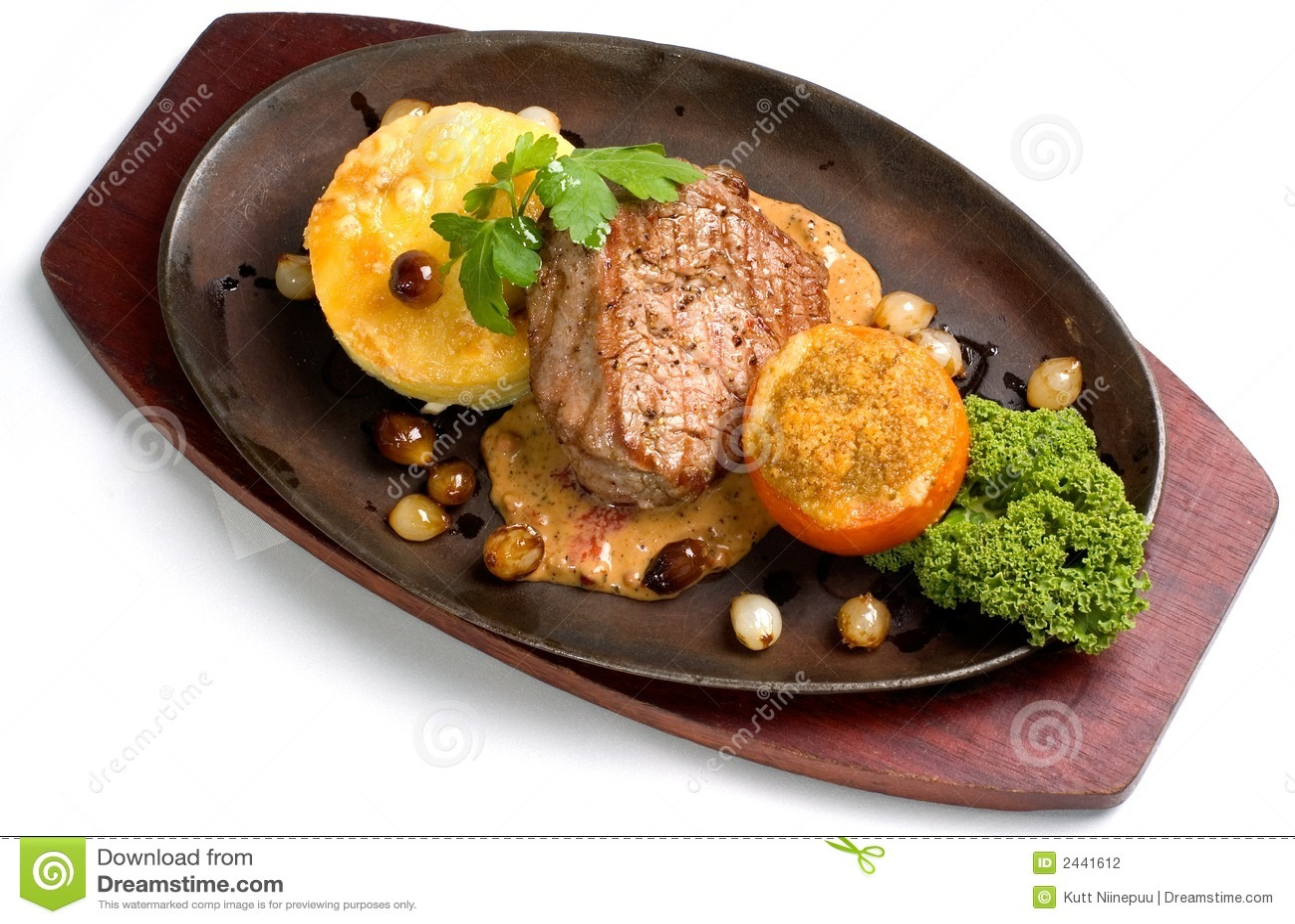 Filet z wołowiny w gratine czosnku