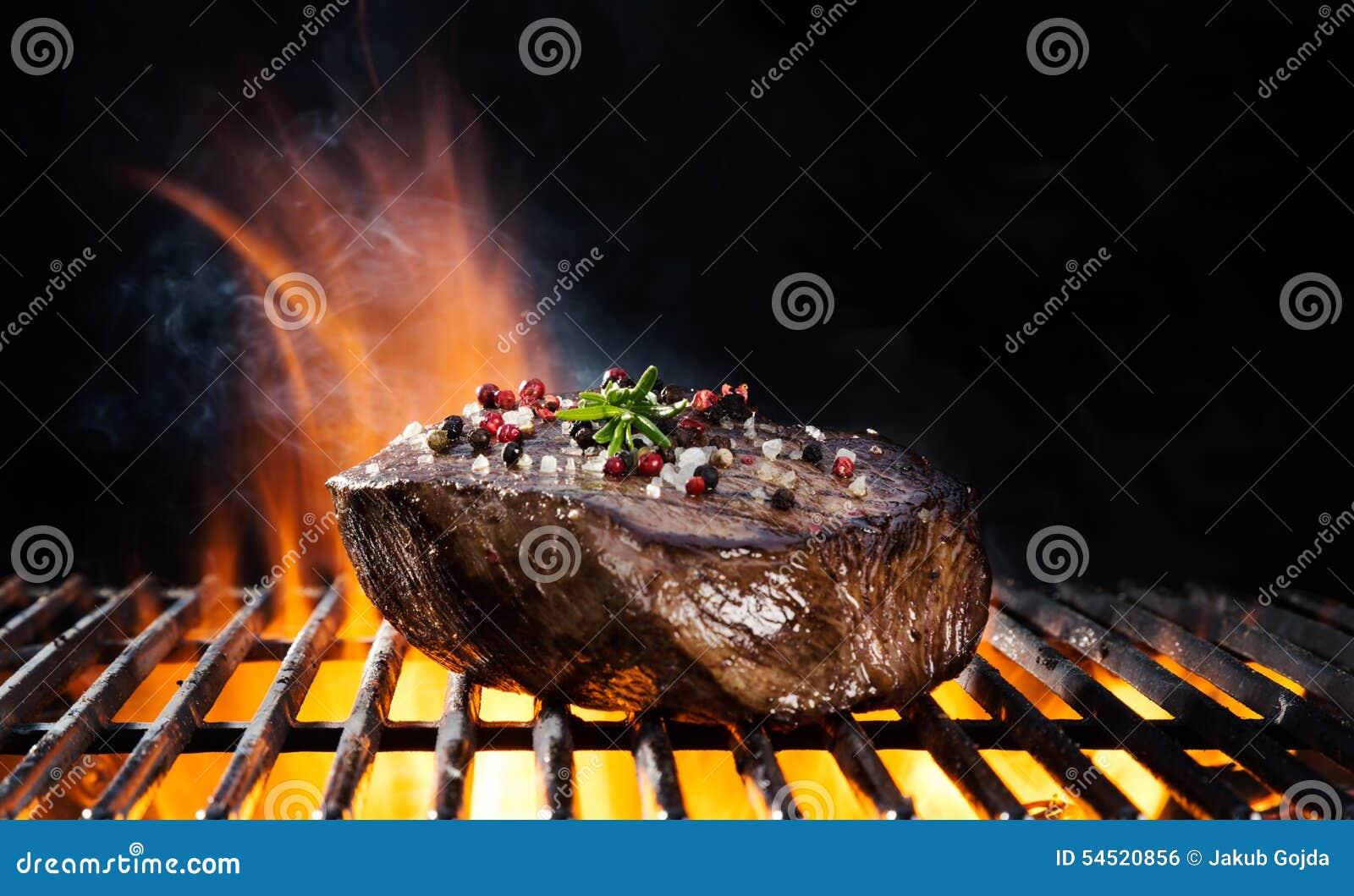 Filete de carne de vaca en parrilla