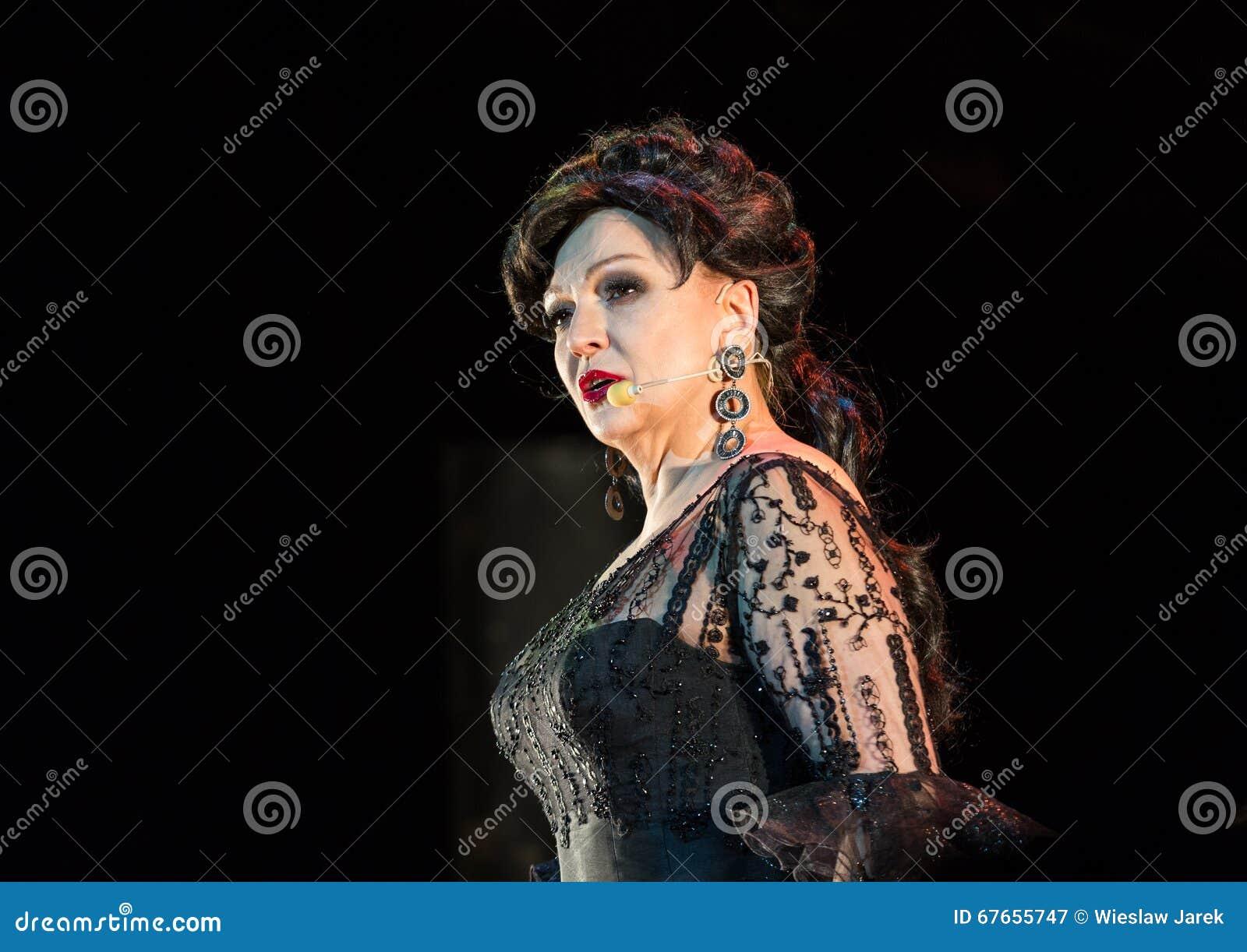 以Filharmonia Futura和M为特色的景象 Walewska -歌剧是生活